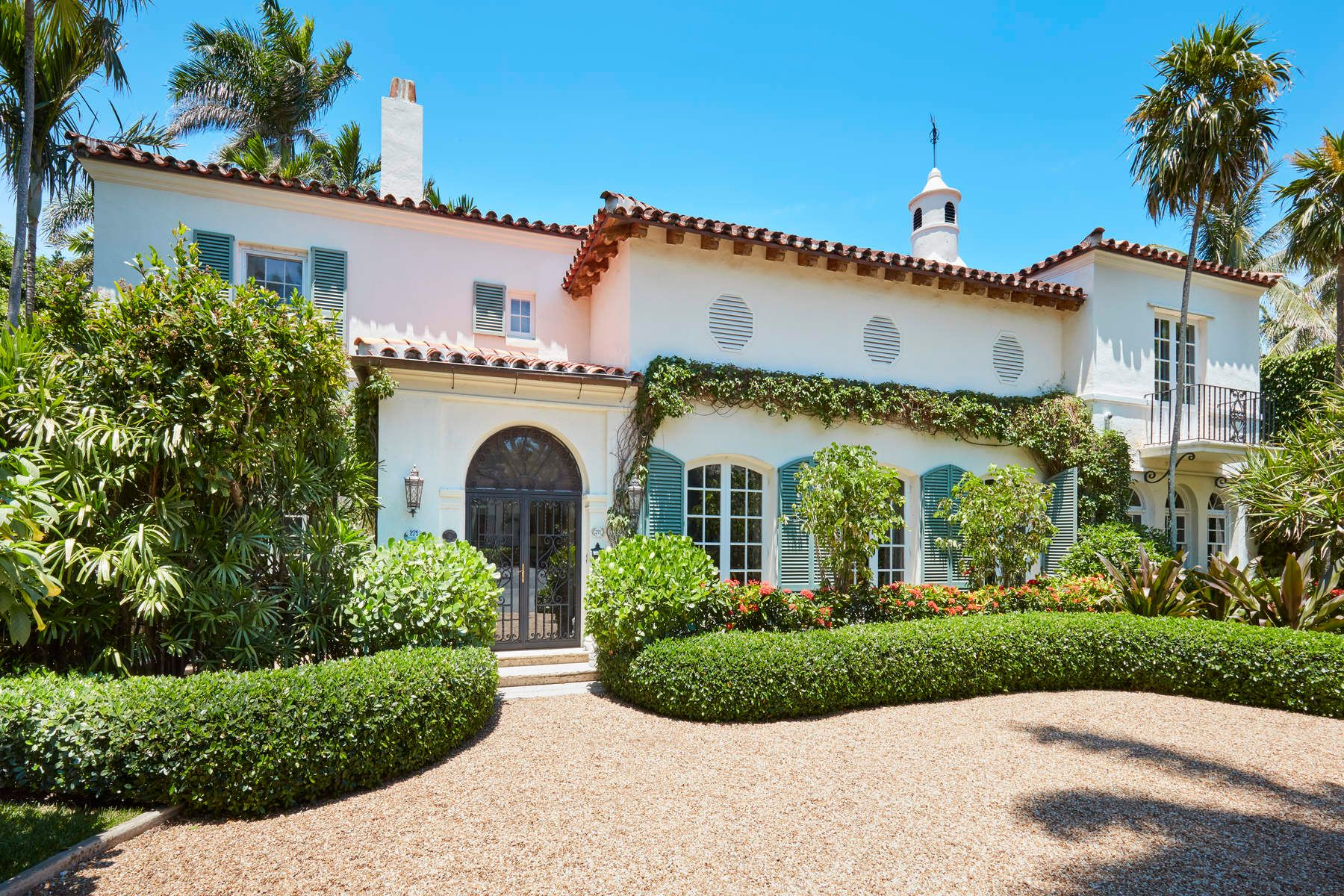 Single Family Home for Active at Gracious Landmarked Estate 271 El Vedado Rd Palm Beach, Florida 33480 United States