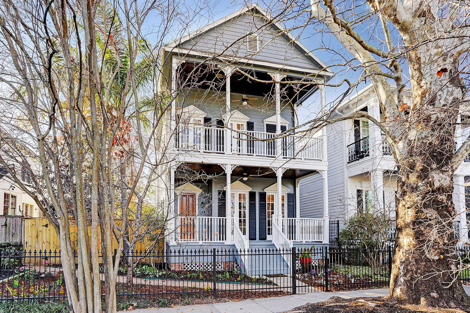 Частный односемейный дом для того Продажа на 917 Waverly Street Houston, Техас, 77008 Соединенные Штаты