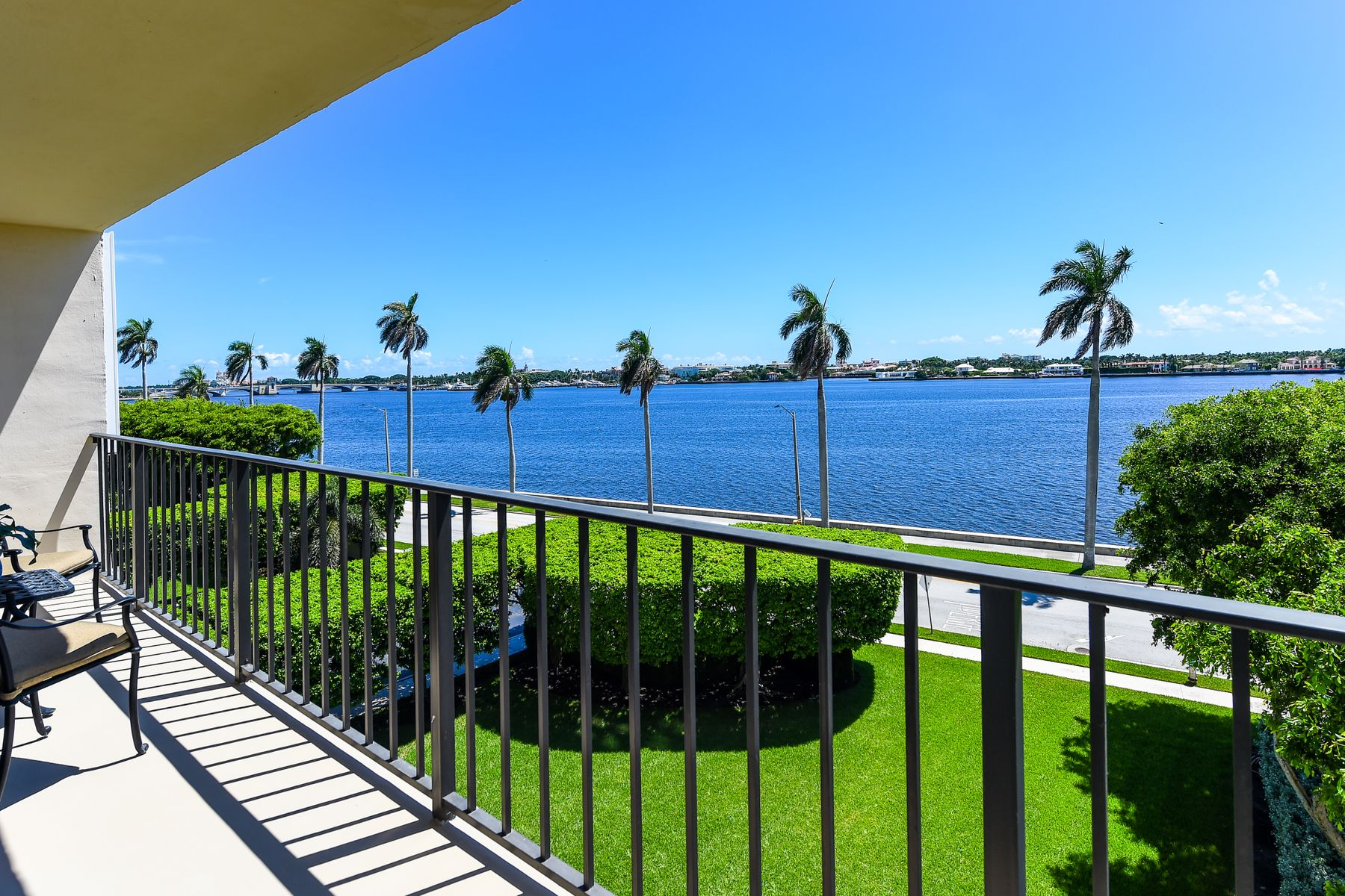 Condominium for Sale at Stunning Direct Intracoastal Condo 1801 S Flagler Drive 402 West Palm Beach, Florida 33401 United States