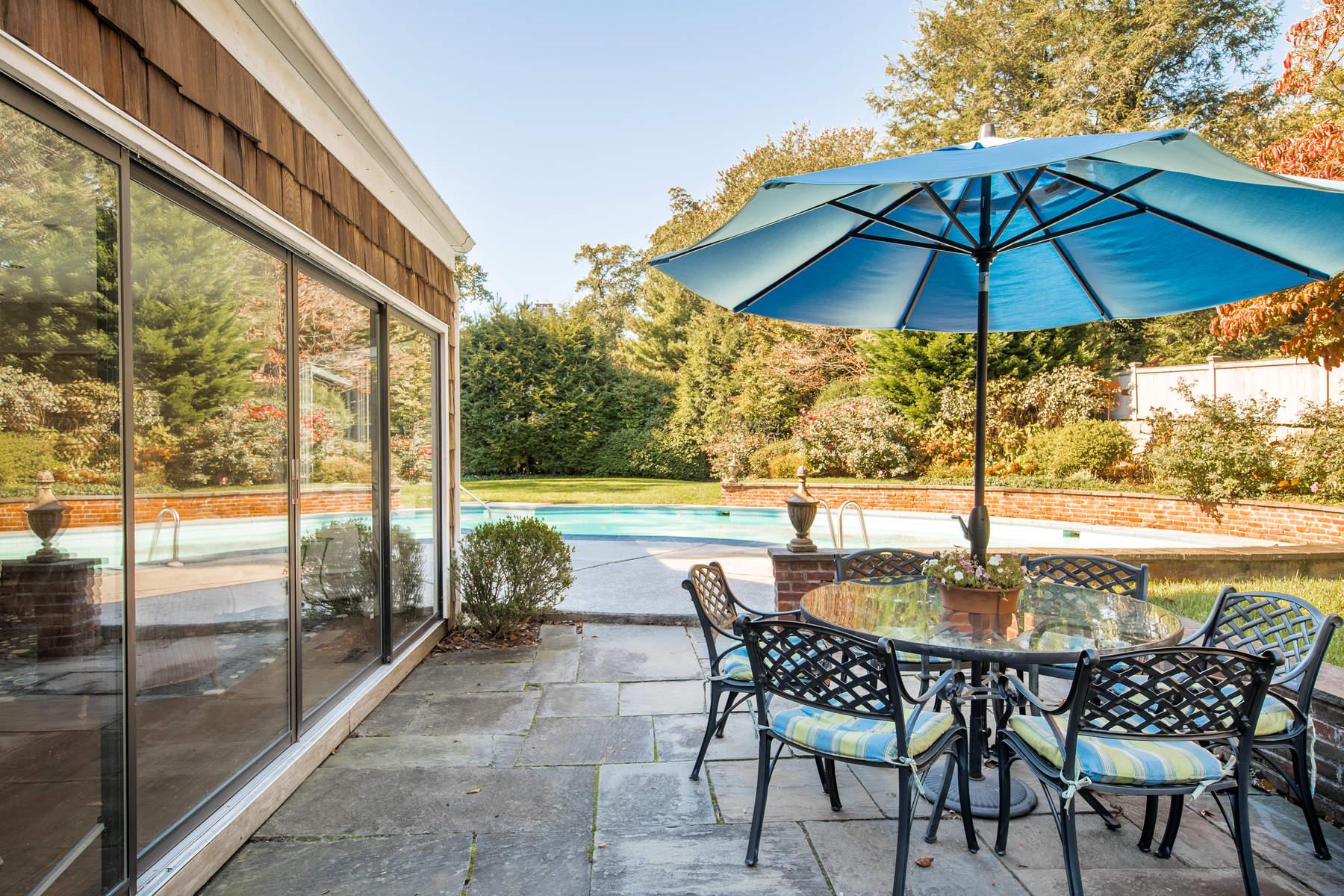 Additional photo for property listing at 35 Hidden Brook Road 35 Hidden Brook Road Riverside, Connecticut 06878 États-Unis