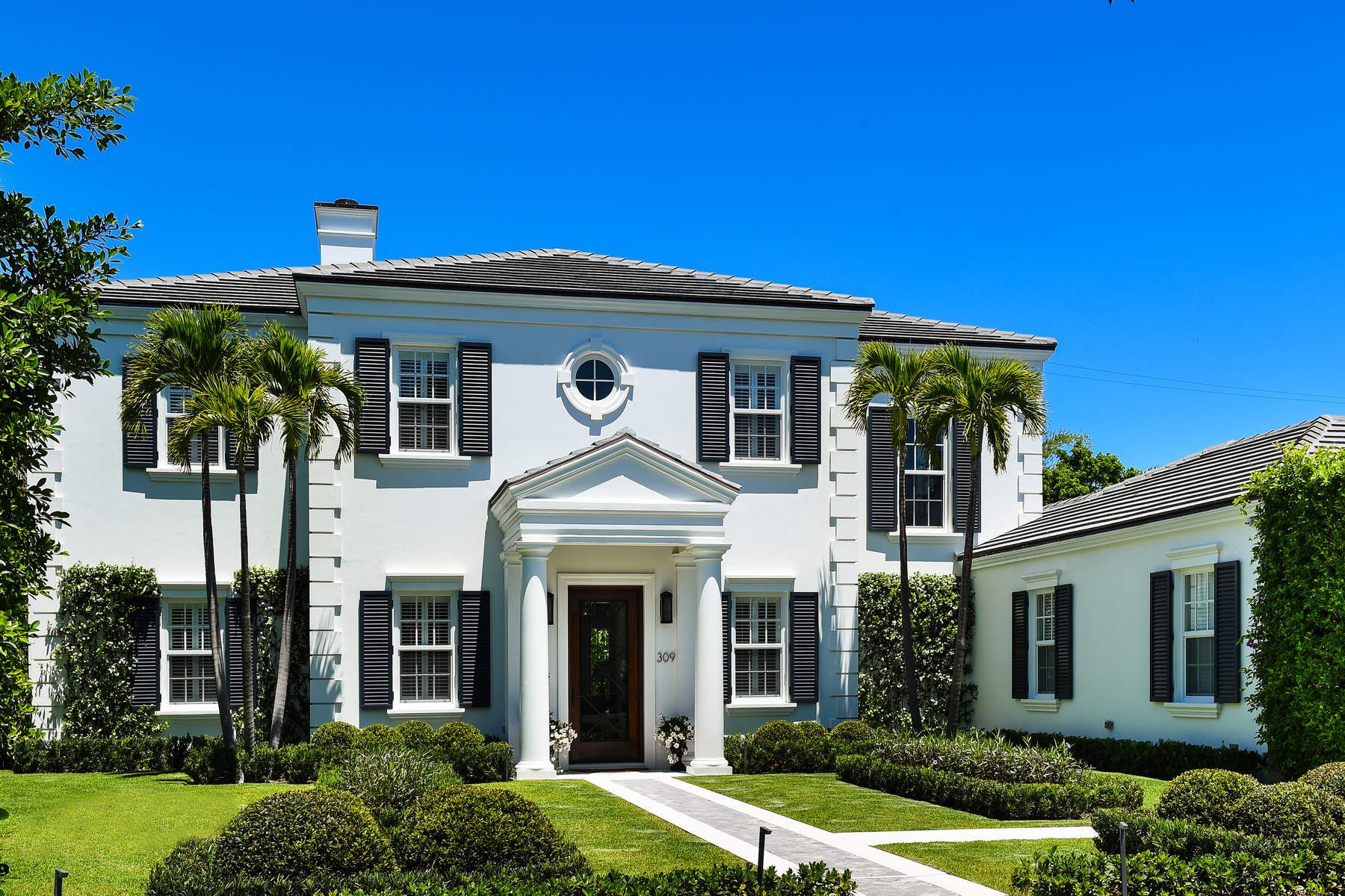 Single Family Home for Sale at Gracious In-Town Estate 309 Dunbar Rd Palm Beach, Florida 33480 United States