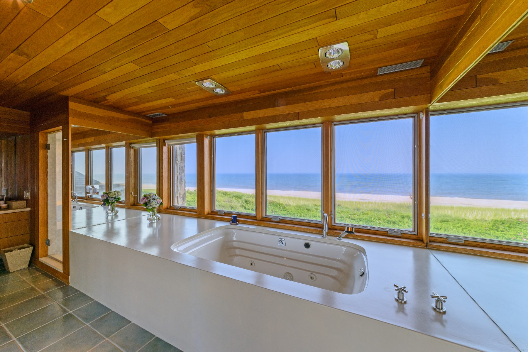 Additional photo for property listing at Norman Jaffe Oceanfront Modern  Southampton, New York 11968 United States