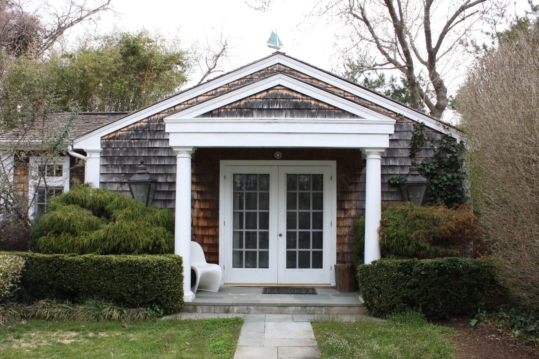 Additional photo for property listing at Sag Harbor Village Cottage 58 Bayviewavenue Sag Harbor, New York 11963 United States