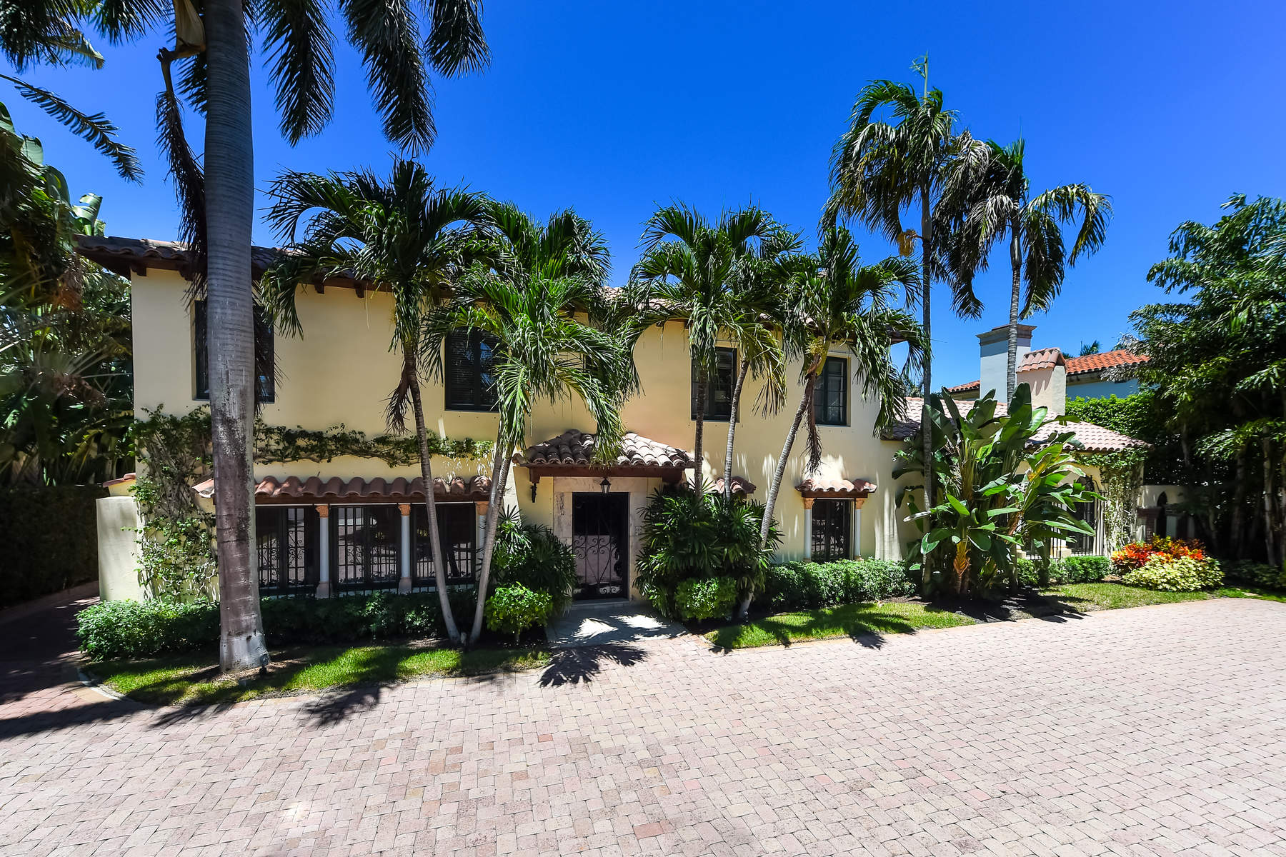 Single Family Home for Sale at Magnificent Mediterranean House 235 Dunbar Rd Palm Beach, Florida 33480 United States