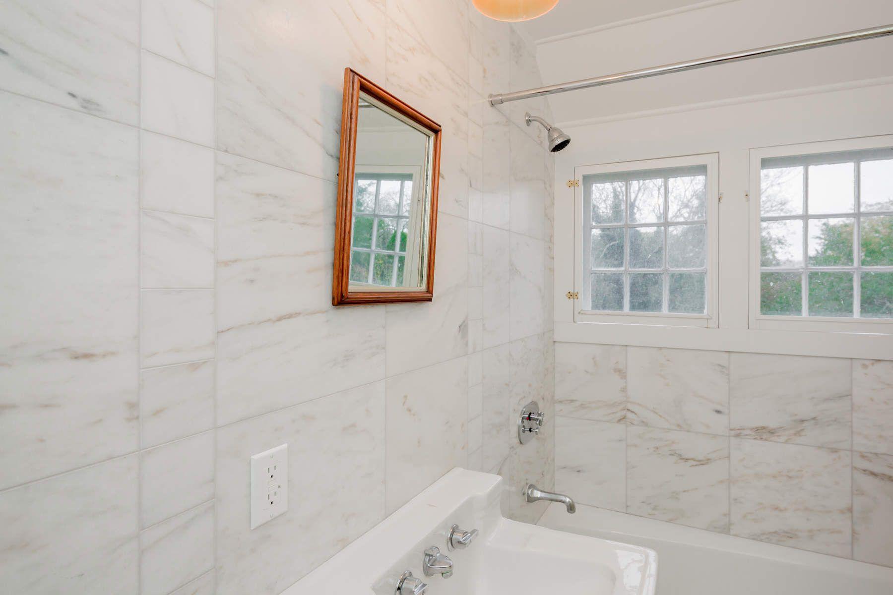 Additional photo for property listing at East Hampton Original on Further Lane  East Hampton, New York 11937 United States