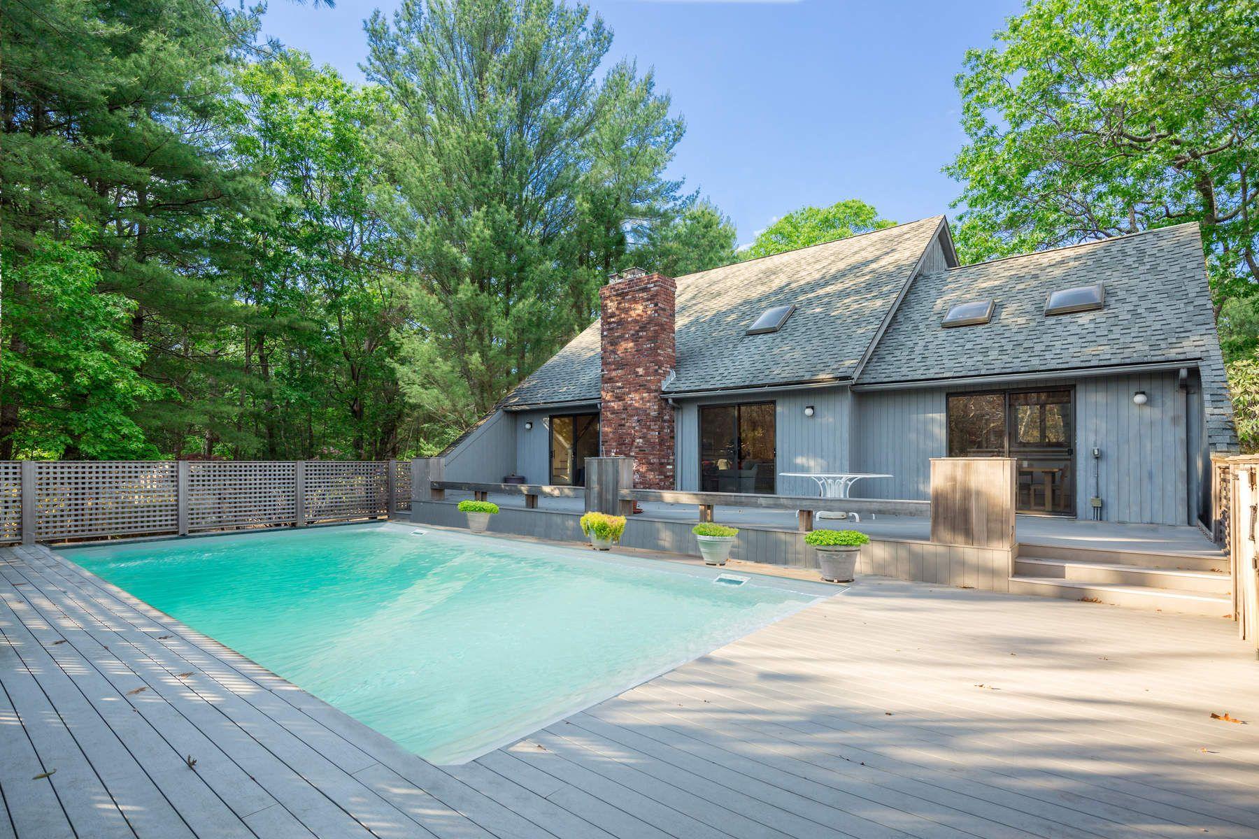 단독 가정 주택 용 매매 에 SECLUDED CONTEMPORARY IN NORTHWEST WOODS East Hampton, 뉴욕, 11937 미국