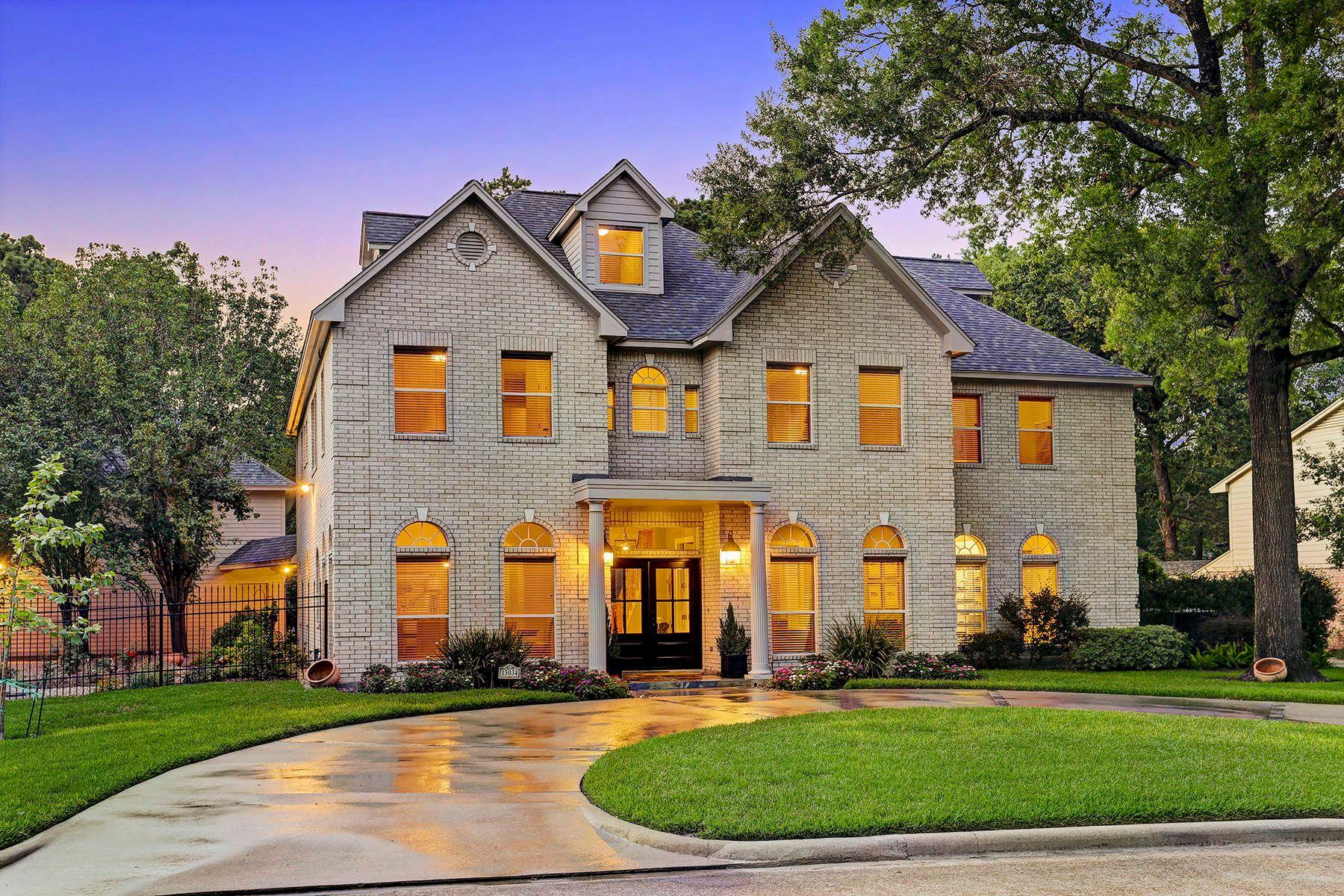 独户住宅 为 销售 在 13034 Conifer Road Memorial, 休斯顿, 得克萨斯州, 77079 美国