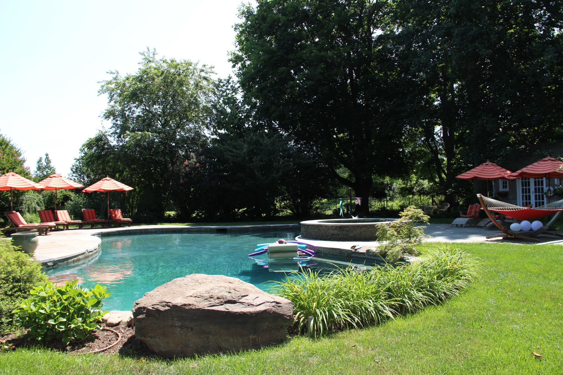 Additional photo for property listing at Barn in Bridgehampton  Bridgehampton, New York 11932 United States