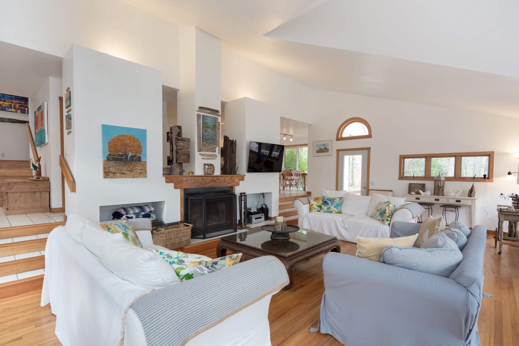 Single Family Home for Rent at NORTHWEST CONTEMPORARY NEAR THE BAY 7 Wigwam View Lane East Hampton, New York 11937 United States