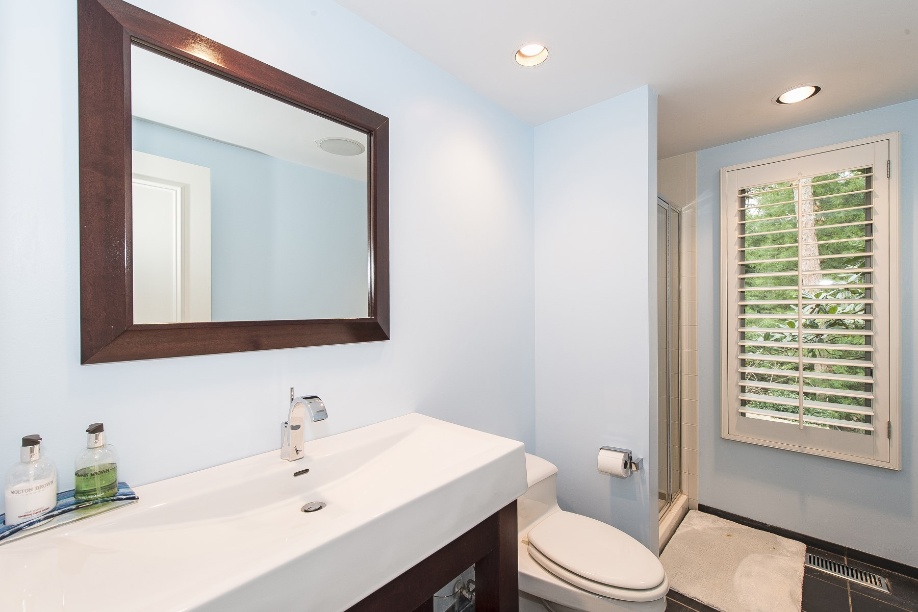 Additional photo for property listing at South of The Highway W Pool & Pool House  Wainscott, New York 11975 United States