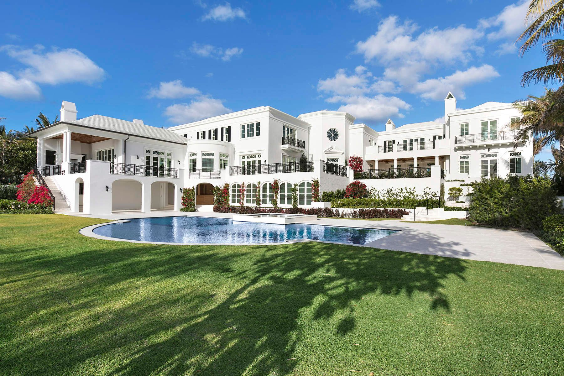 Maison unifamiliale pour l Vente à Ocean To Intracoastal Estate Palm Beach, Florida 33480 États-Unis