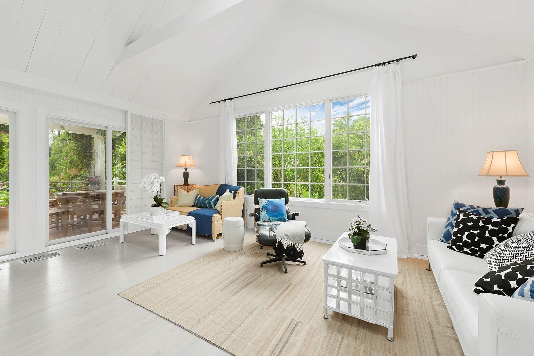 Additional photo for property listing at East Hampton Village-South Of The Hwy 52 Davids Ln East Hampton, New York 11937 United States