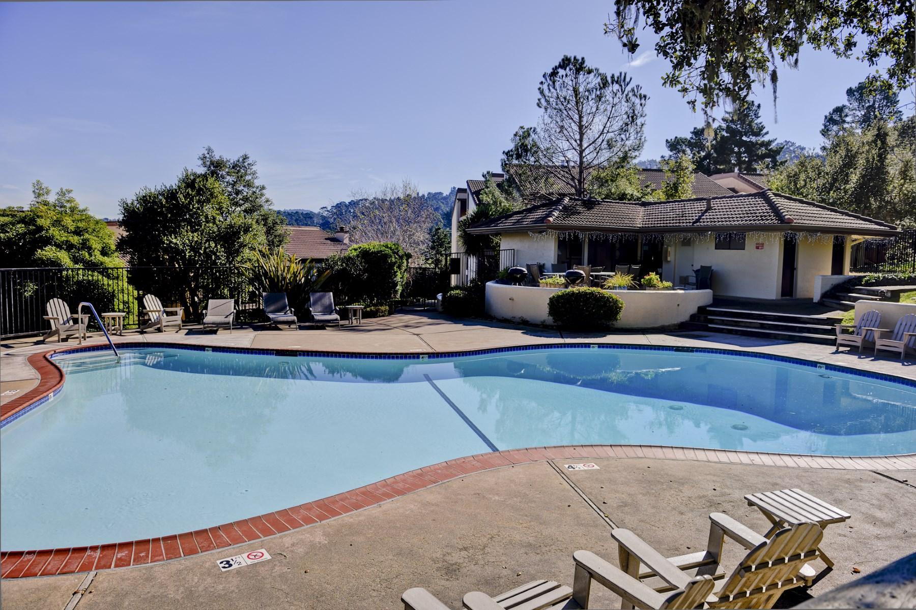 Nhà chung cư vì Bán tại Easy & Carefree Living 3203 Golden Oaks Lane Monterey, California, 93940 Hoa Kỳ