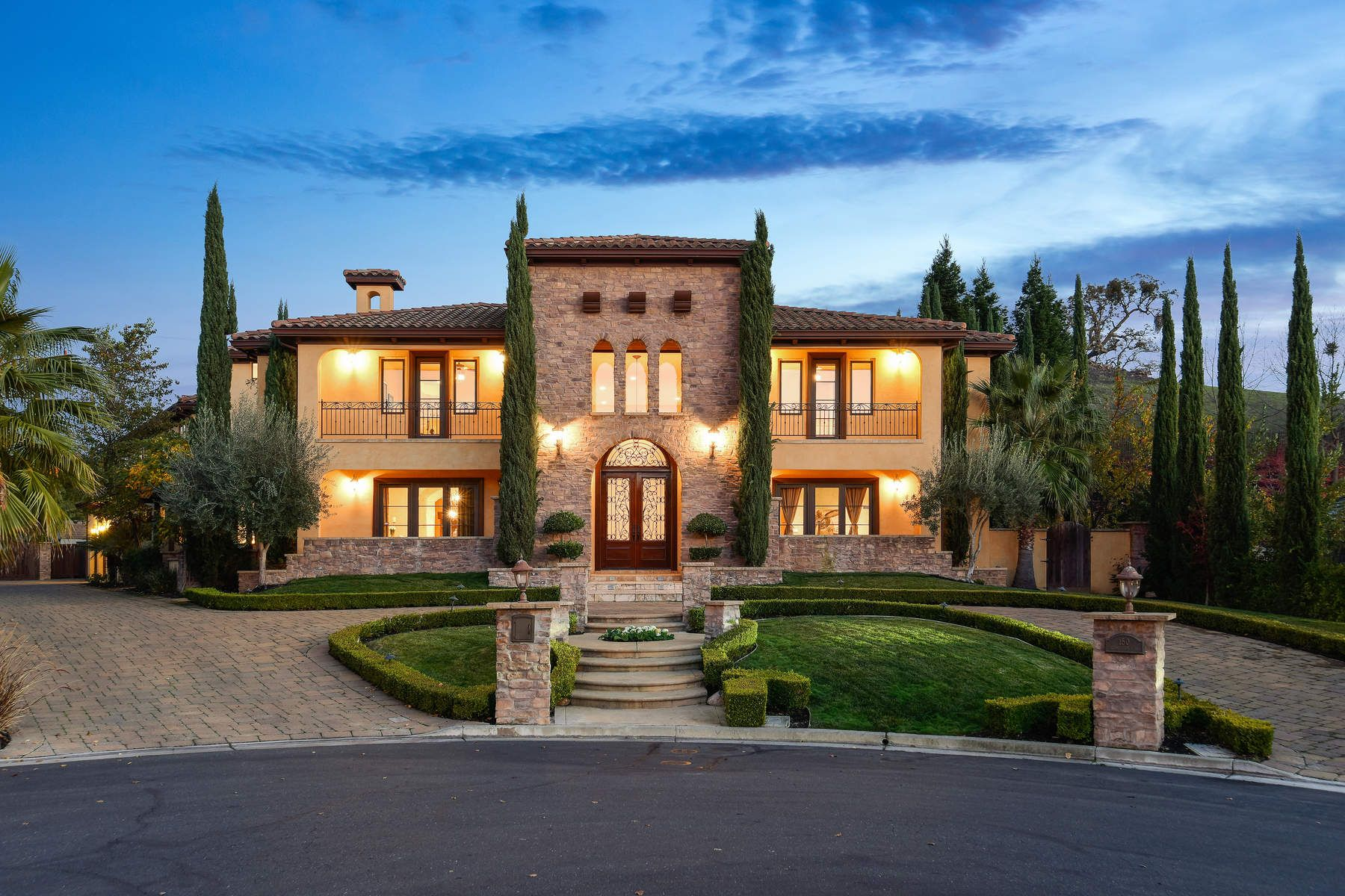 Vineyard for Sale at Elegante Tuscan Estate at Alamo Springs 150 Alamo Springs Dr Alamo, California 94507 United States