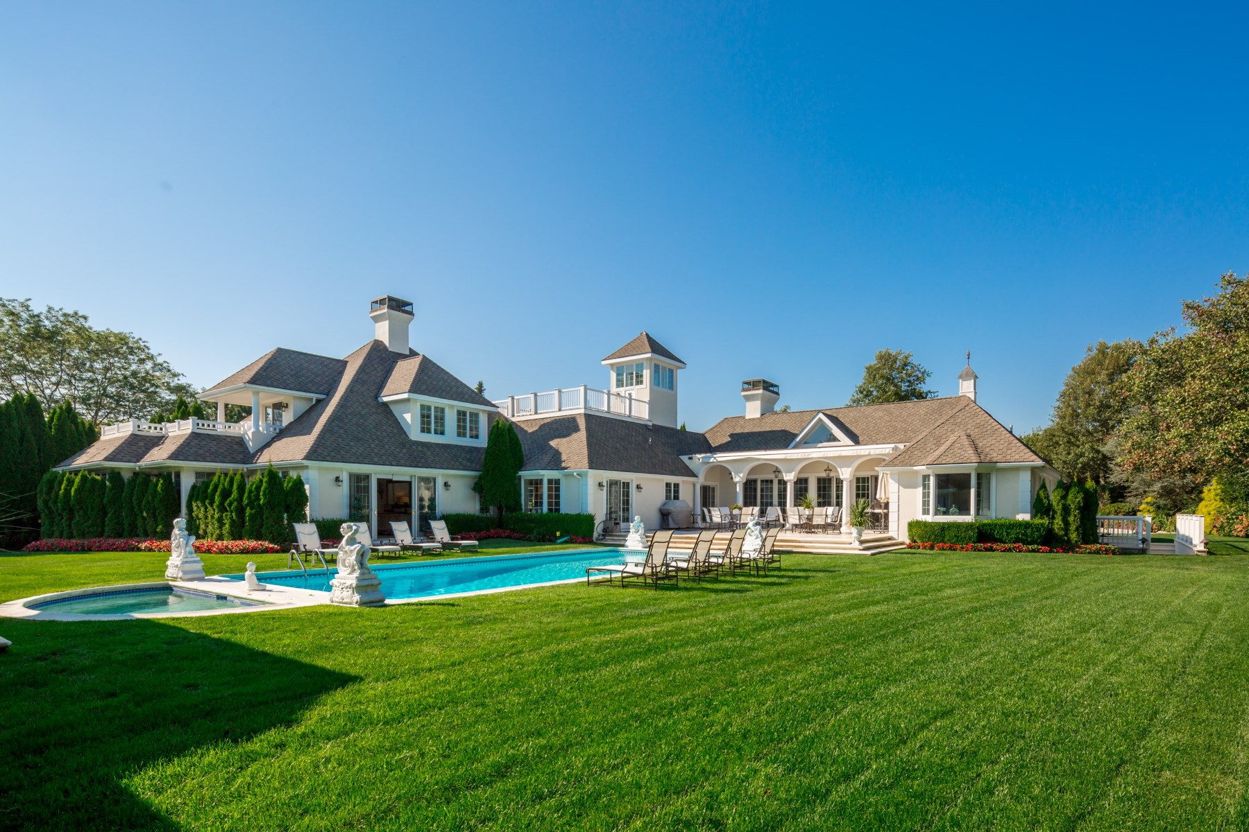 Additional photo for property listing at Southampton Village Compound 2 Halsey Farm Dr Southampton, New York 11968 United States