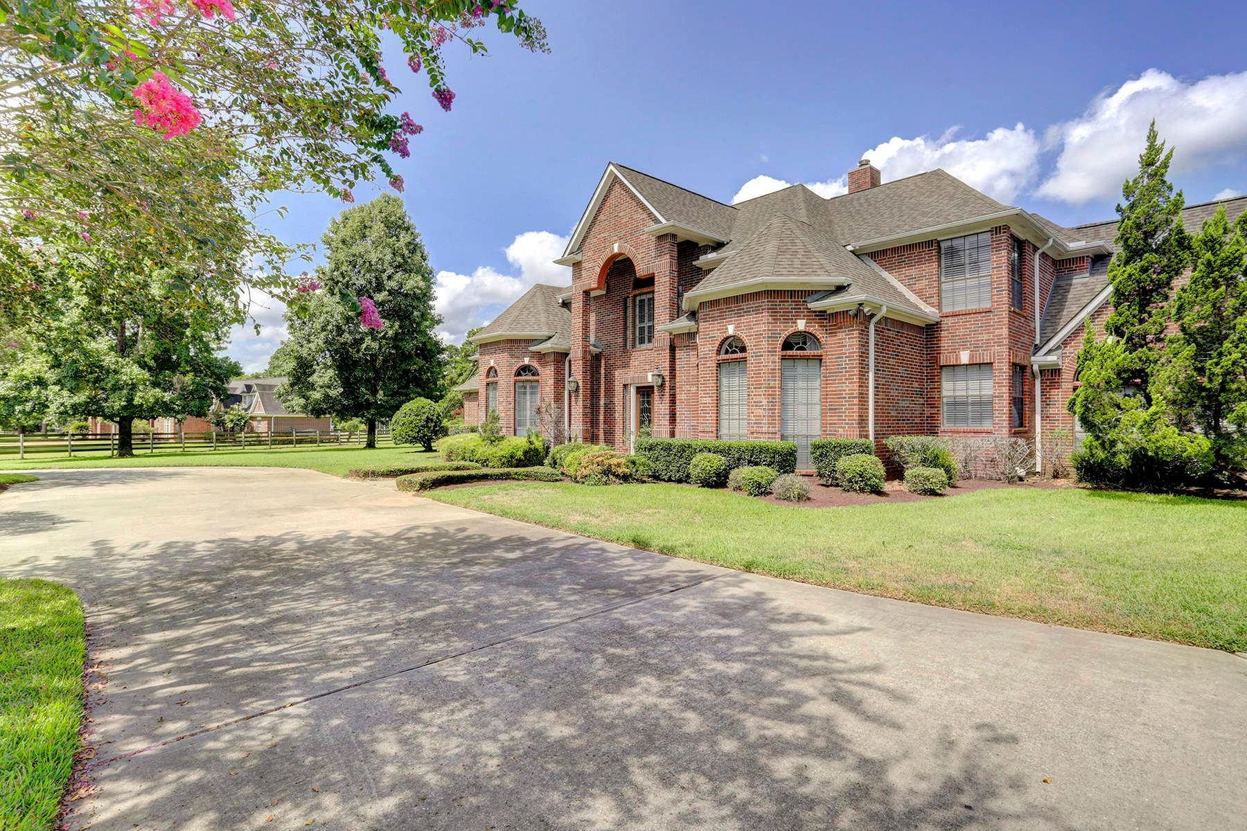 Single Family Homes for Active at 22503 Holly Creek Trail Tomball, Texas 77377 United States
