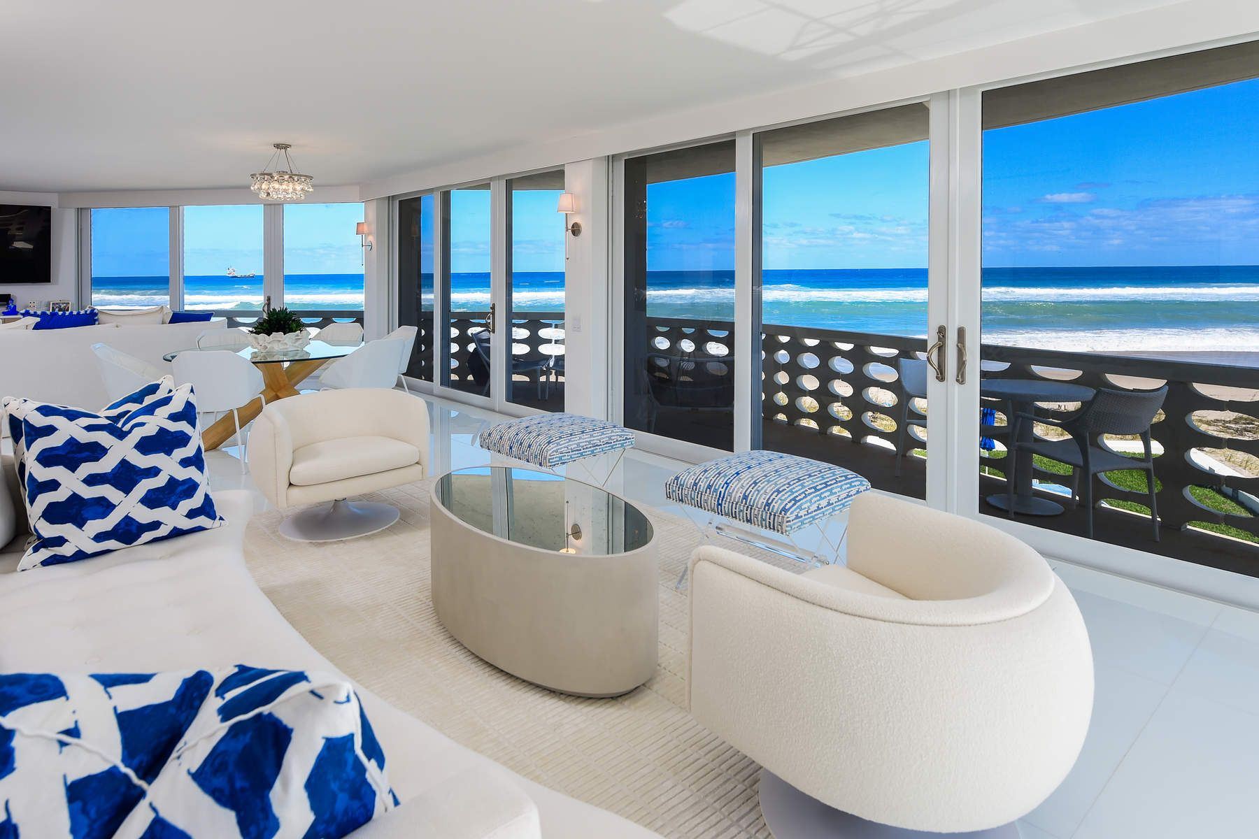 Condominium for Active at Direct Oceanfront In Town 100 Sunrise Ave 311 Palm Beach, Florida 33480 United States