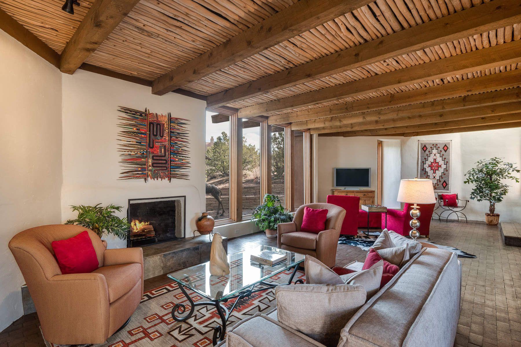 独户住宅 为 销售 在 368 Calle Loma Norte Santa Fe City Northeast, 圣达非, 新墨西哥州, 87501 美国