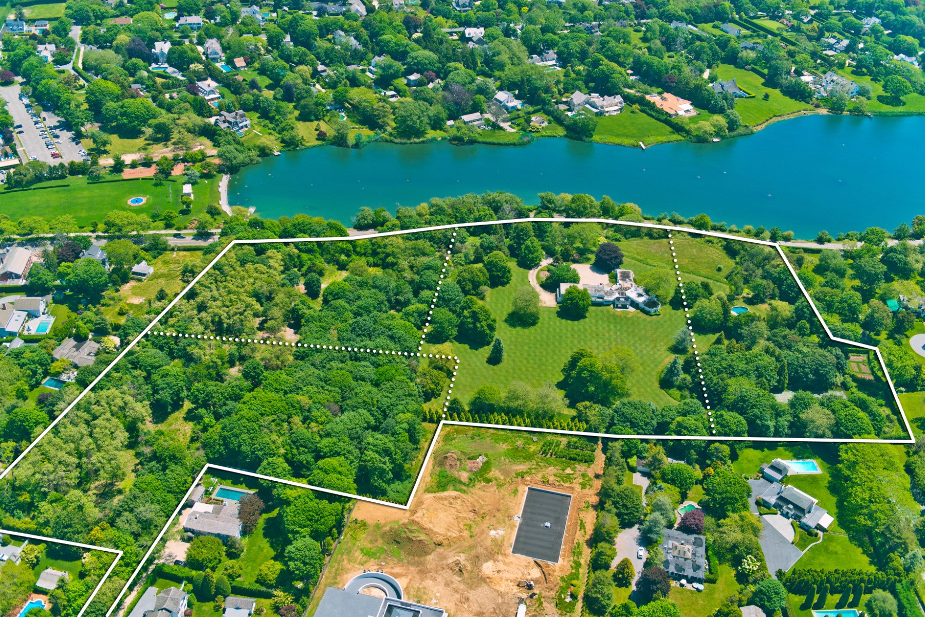 Additional photo for property listing at Overlooking Lake Agawam 111, 137, 153 Pond Lane & 52 First Neck Lane 4 properties combined Southampton, New York 11968 United States