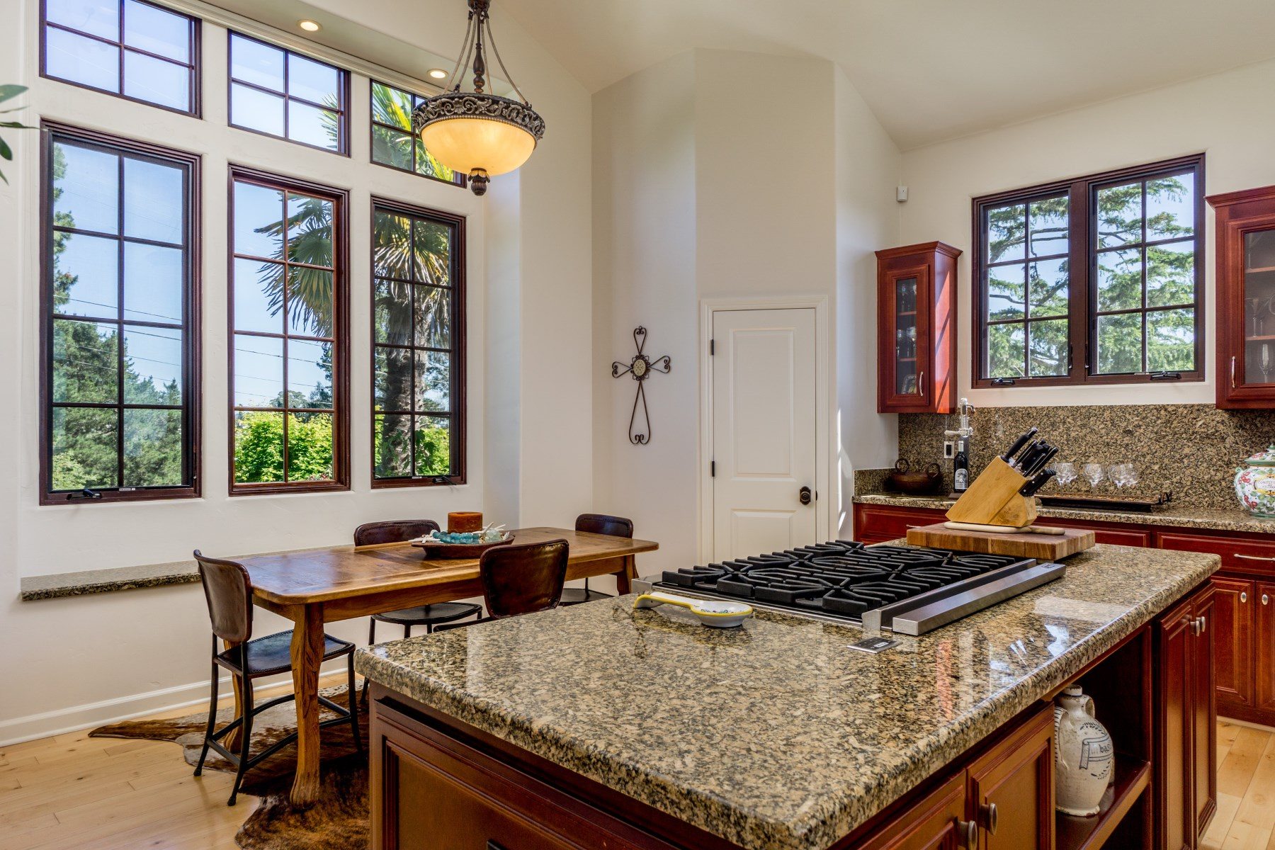 Additional photo for property listing at Ocean Views from Monterey to Santa Cruz 563 Cuesta Drive Aptos, California 95003 United States