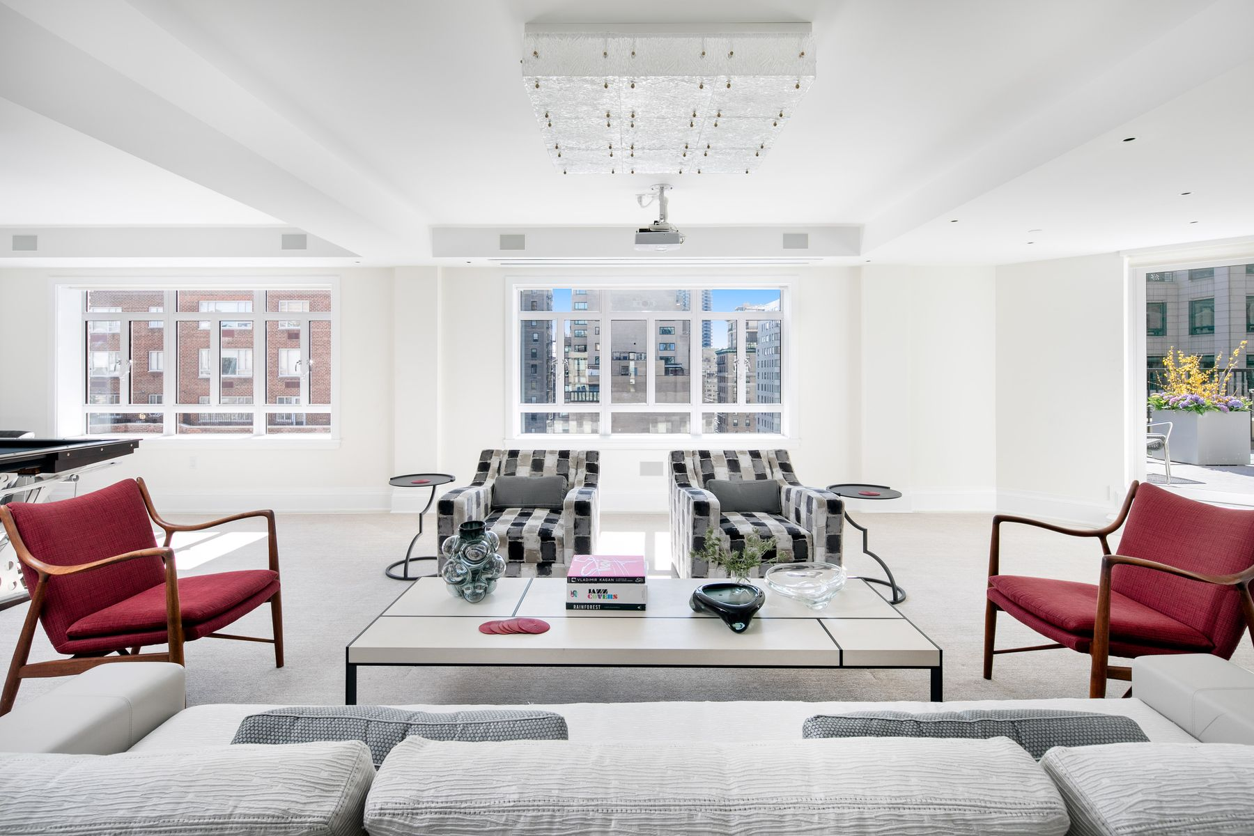Apartment for Sale at 21 East 61st Street, Apt. 14A 21 East 61st Street Apt 14A, New York, New York 10065 United States