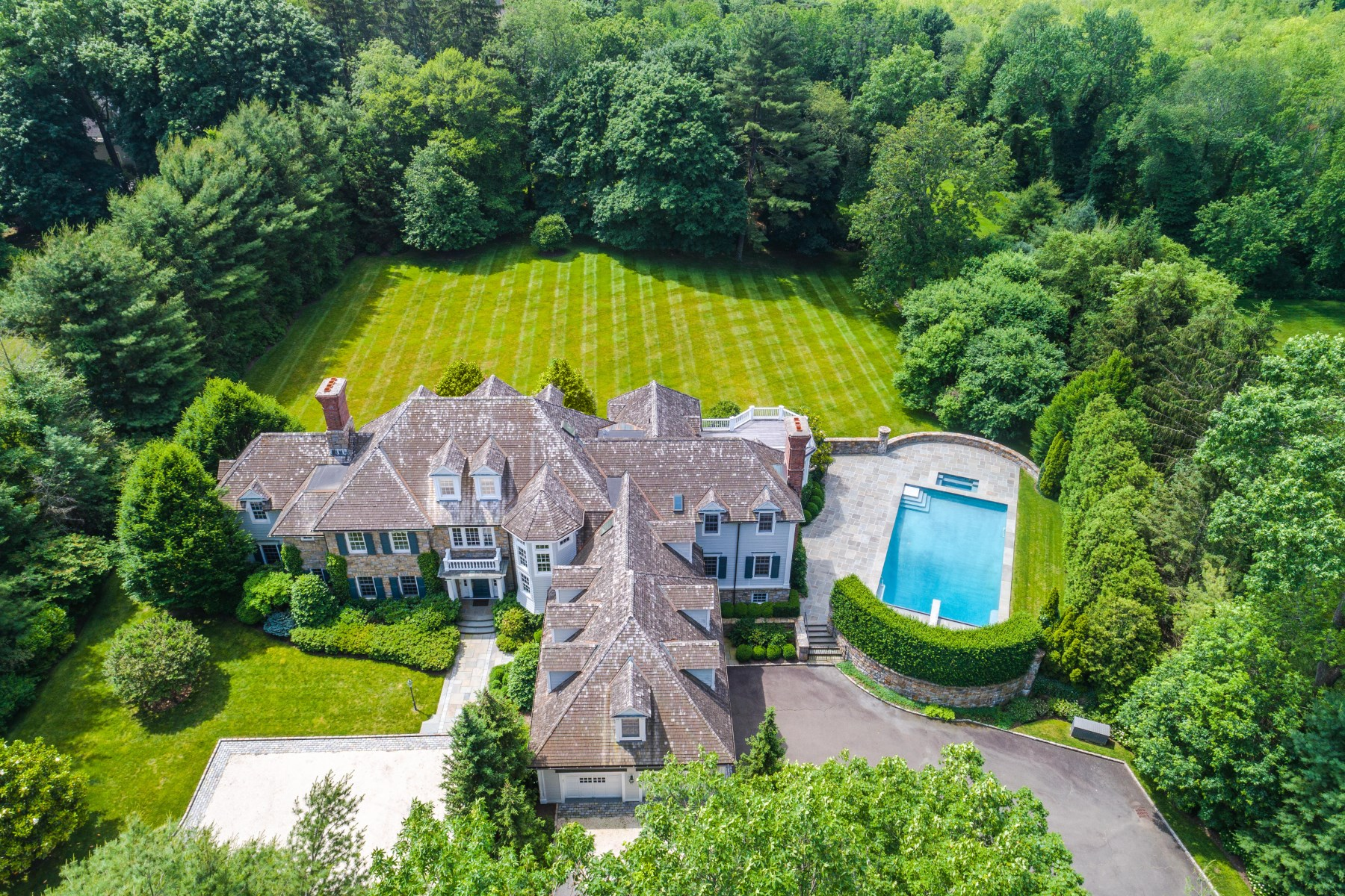 Vivienda unifamiliar por un Venta en Privacy in Mid-Country Mid-Country, Greenwich, Connecticut, 06830 Estados Unidos