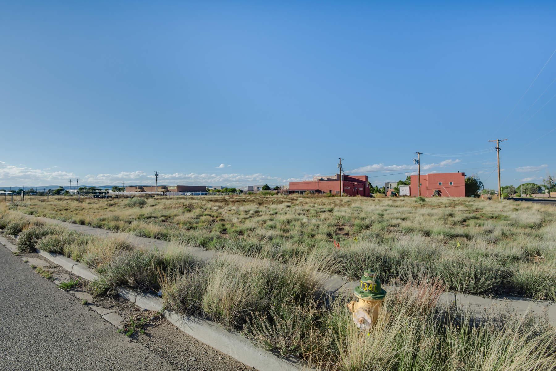 土地,用地 为 销售 在 7509 Gooney Bird Way 圣达非, 新墨西哥州, 87507 美国
