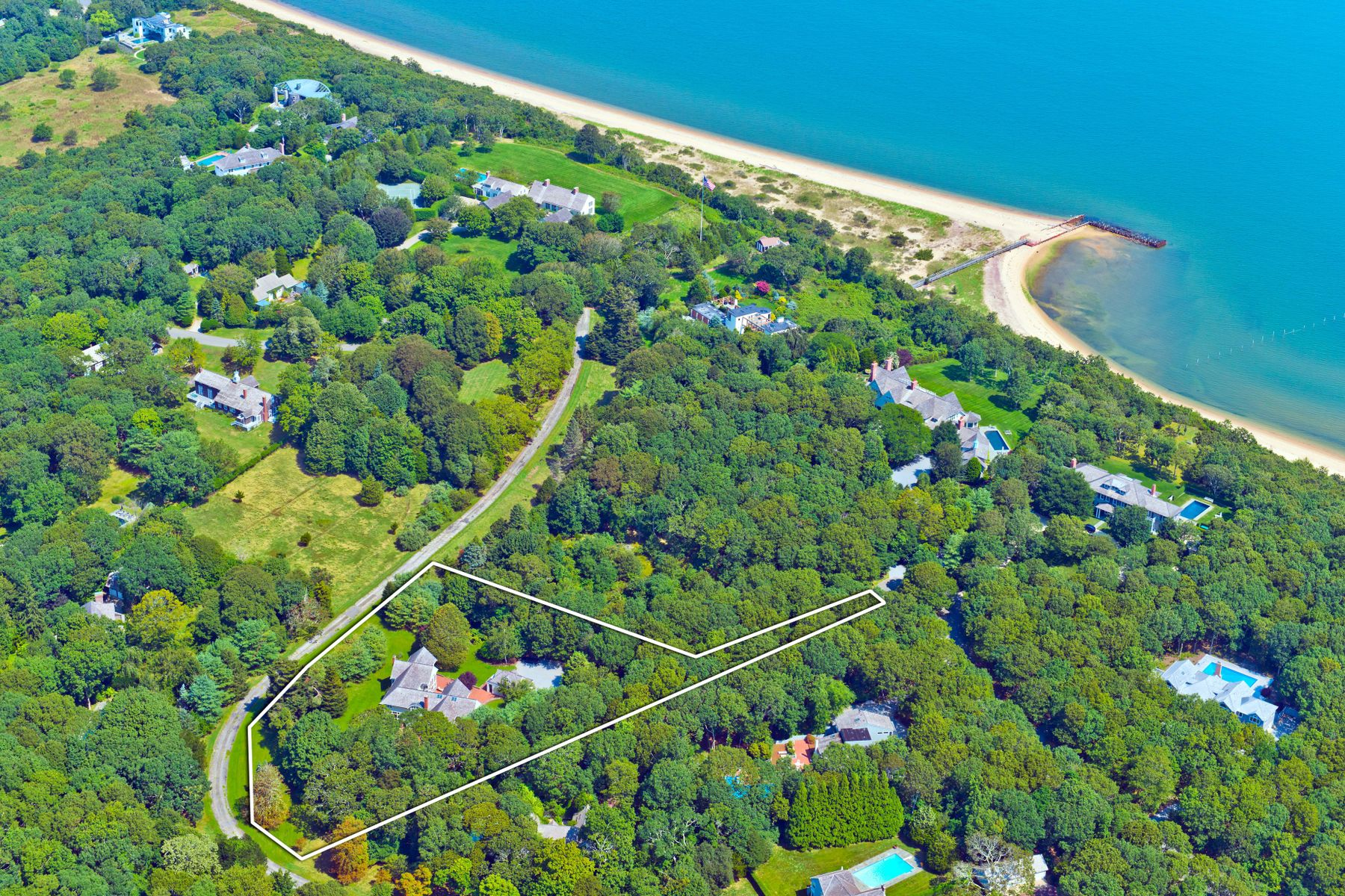 Single Family Home for Active at BELL ESTATE TRANSITIONAL 49 Broadview Road Amagansett, New York 11930 United States