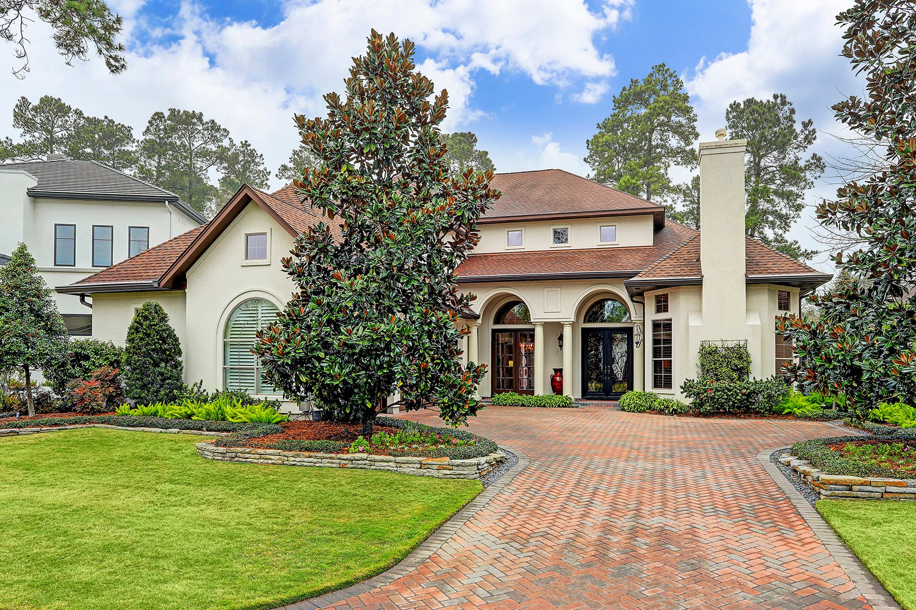 Single Family Homes for Sale at 71 Golden Scroll Circle The Woodlands, Texas 77382 United States