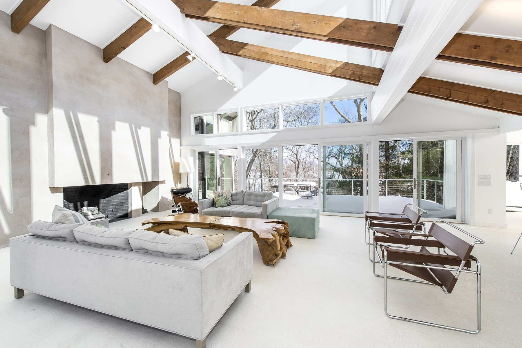 Additional photo for property listing at Waterfront Private Beach and Tennis 85 Oyster Shores Road East Hampton, New York 11937 United States