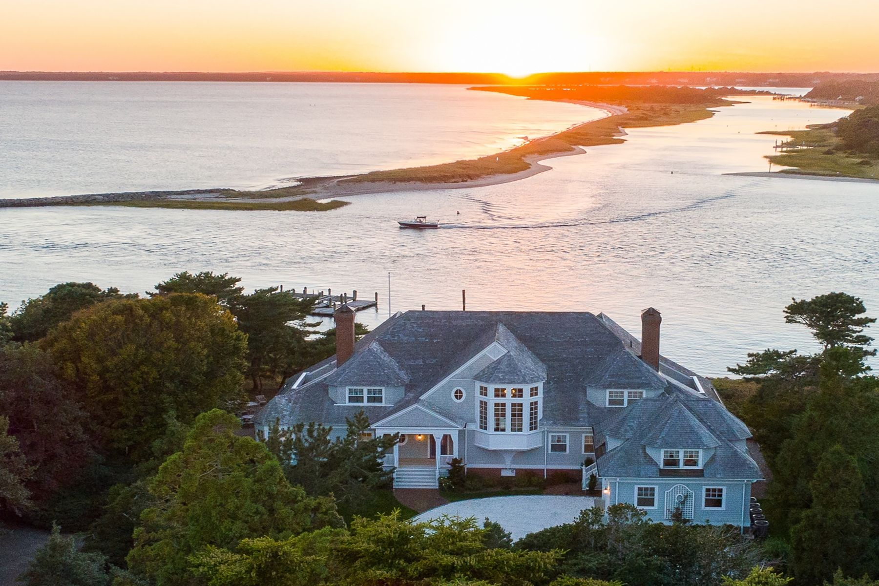 Single Family Home for Active at 995 Sea View Avenue Osterville, Massachusetts 02655 United States
