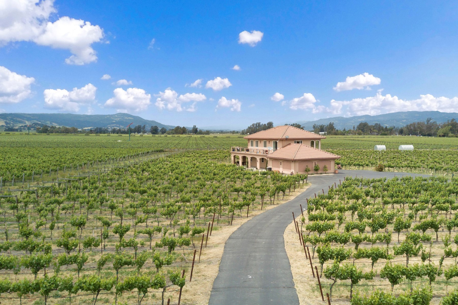 Vineyard for Sale at Sonoma Valley Vineyard Estate 196 Meadowlark Ln Sonoma, California, 95476 United States