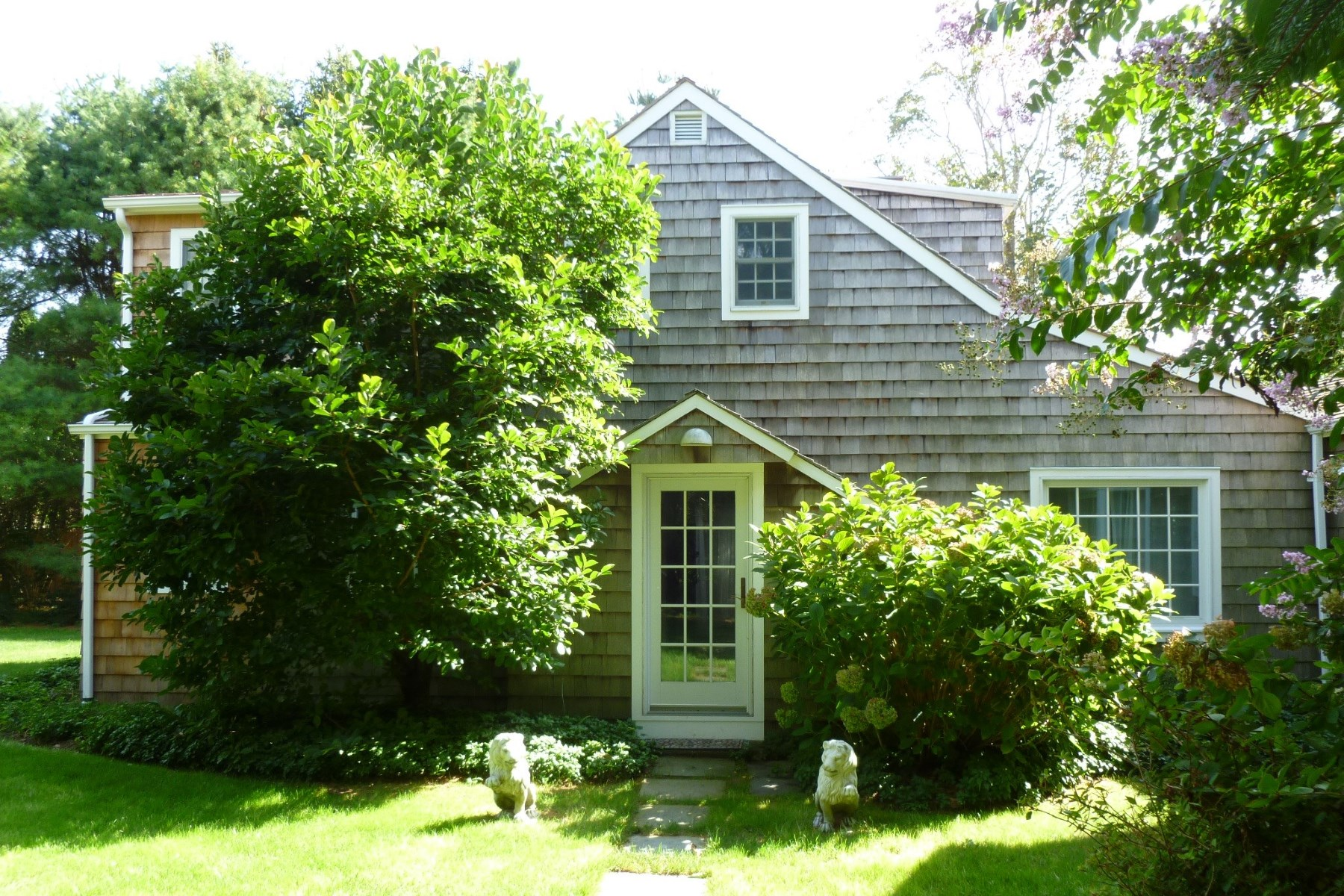 Single Family Home for Rent at Georgica Carriage House 57 Lee Avenue East Hampton, New York 11937 United States
