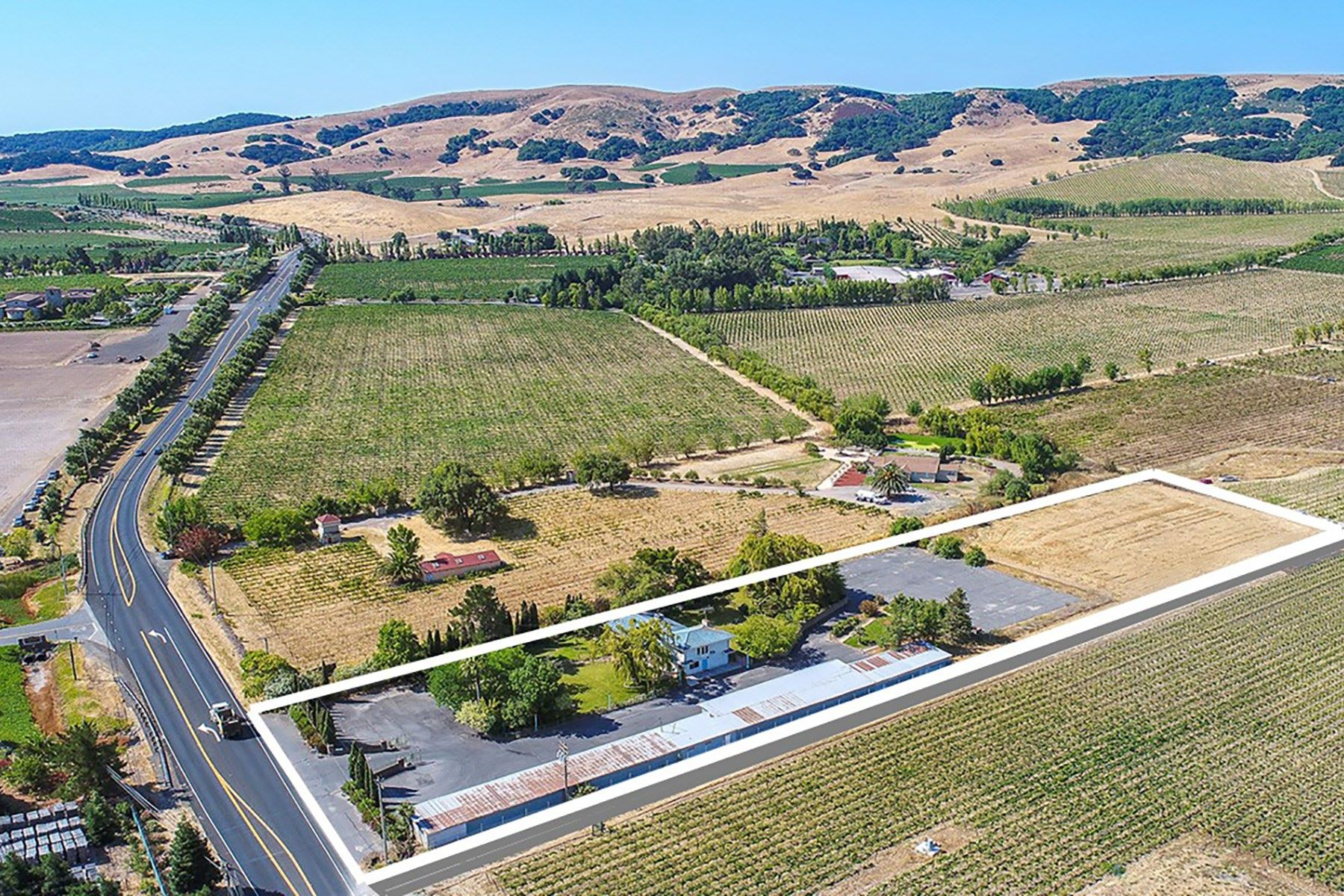 Moradia para Venda às Desirable Home In The Carneros Region 24265 Arnold Dr Sonoma, Califórnia, 95476 Estados Unidos
