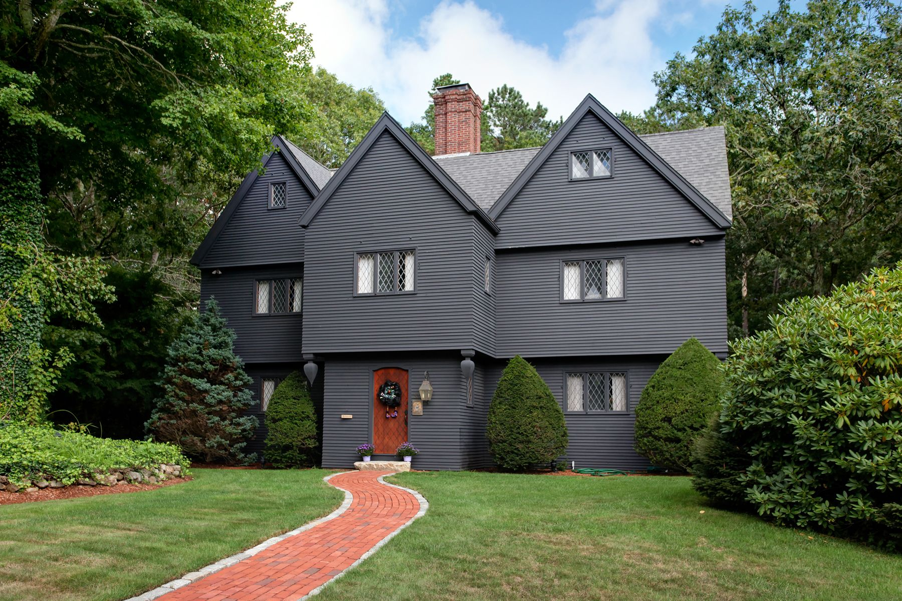 Single Family Home for Active at 33 Tarragon Drive, Sandwich, MA 33 Tarragon Drive East Sandwich, Massachusetts 02537 United States