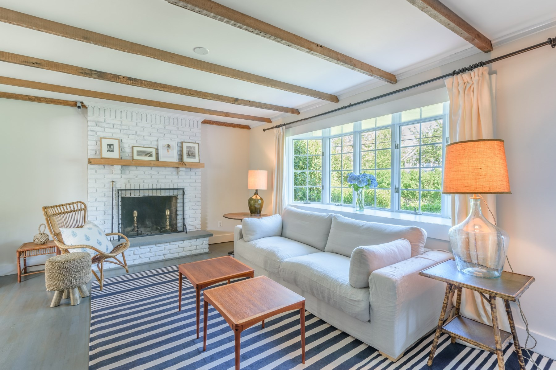 Additional photo for property listing at Sag Harbor Village Townhouse 125 Glover Street Sag Harbor, New York 11963 United States
