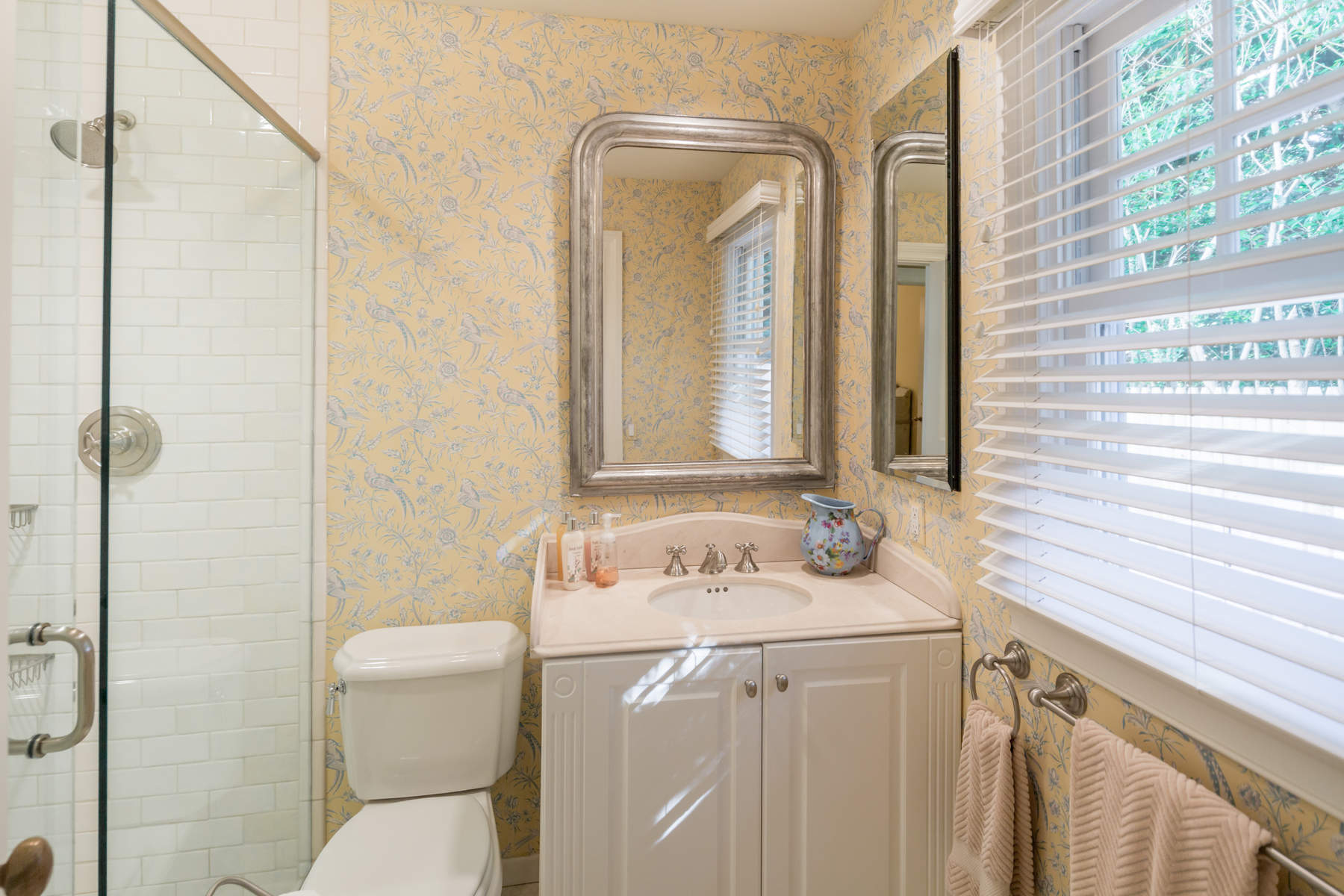 Additional photo for property listing at Elegant & Charming Beach House 88 Old Town Crossing Southampton, New York 11968 United States