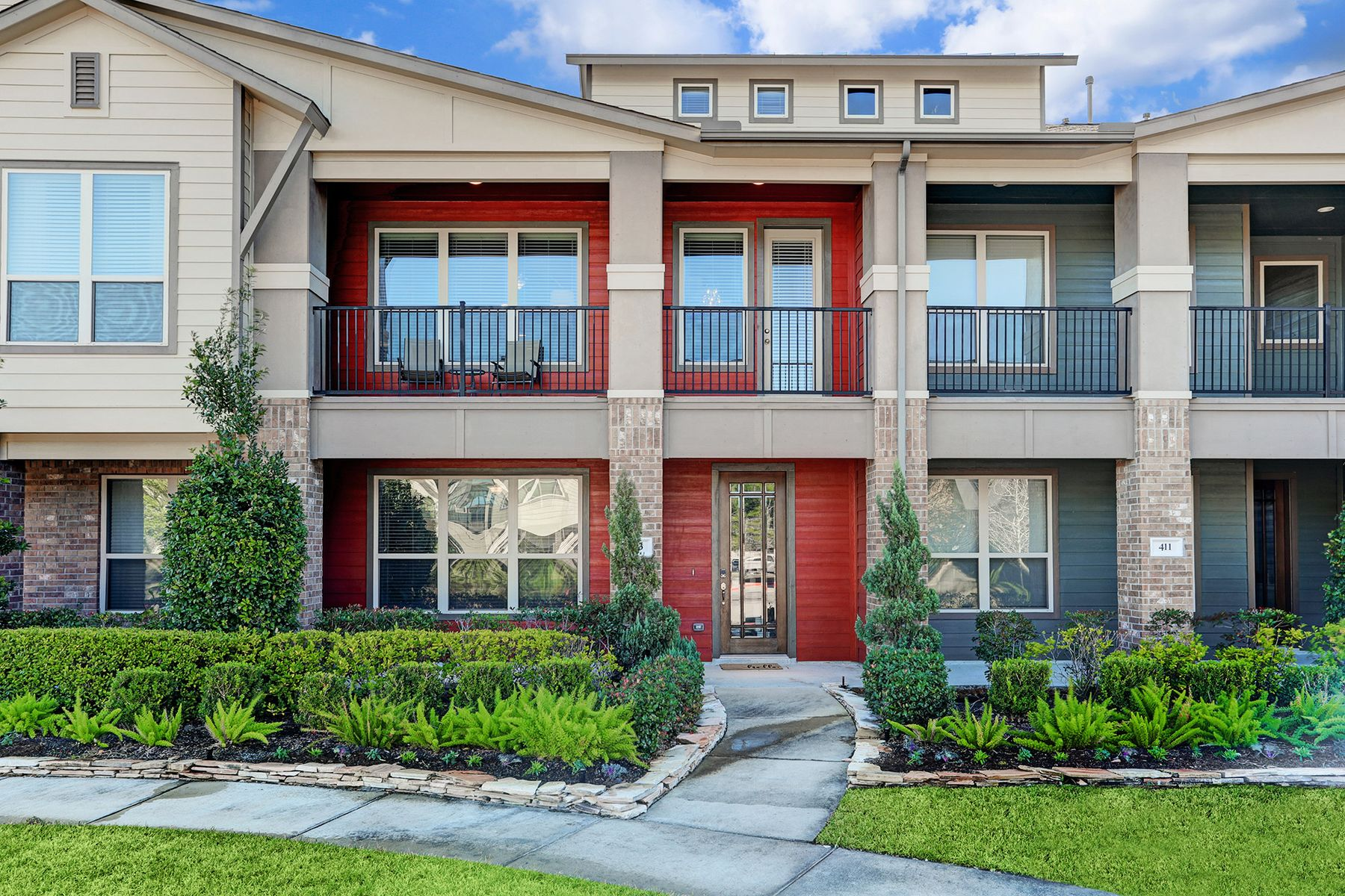townhouses for Active at 413 Via Regatta Street Webster, Texas 77598 United States