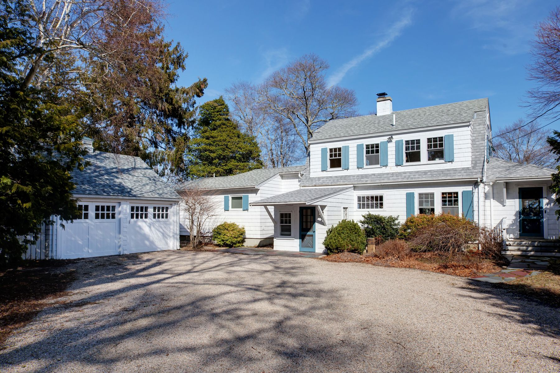 Single Family Home for Active at Waterfront On Oyster Pond 13 Fells Road Falmouth, Massachusetts 02540 United States