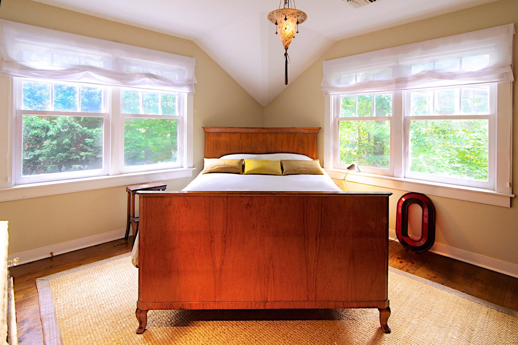 Additional photo for property listing at PEACEFUL AMAGANSETT TRADITIONAL  Amagansett, New York 11930 United States
