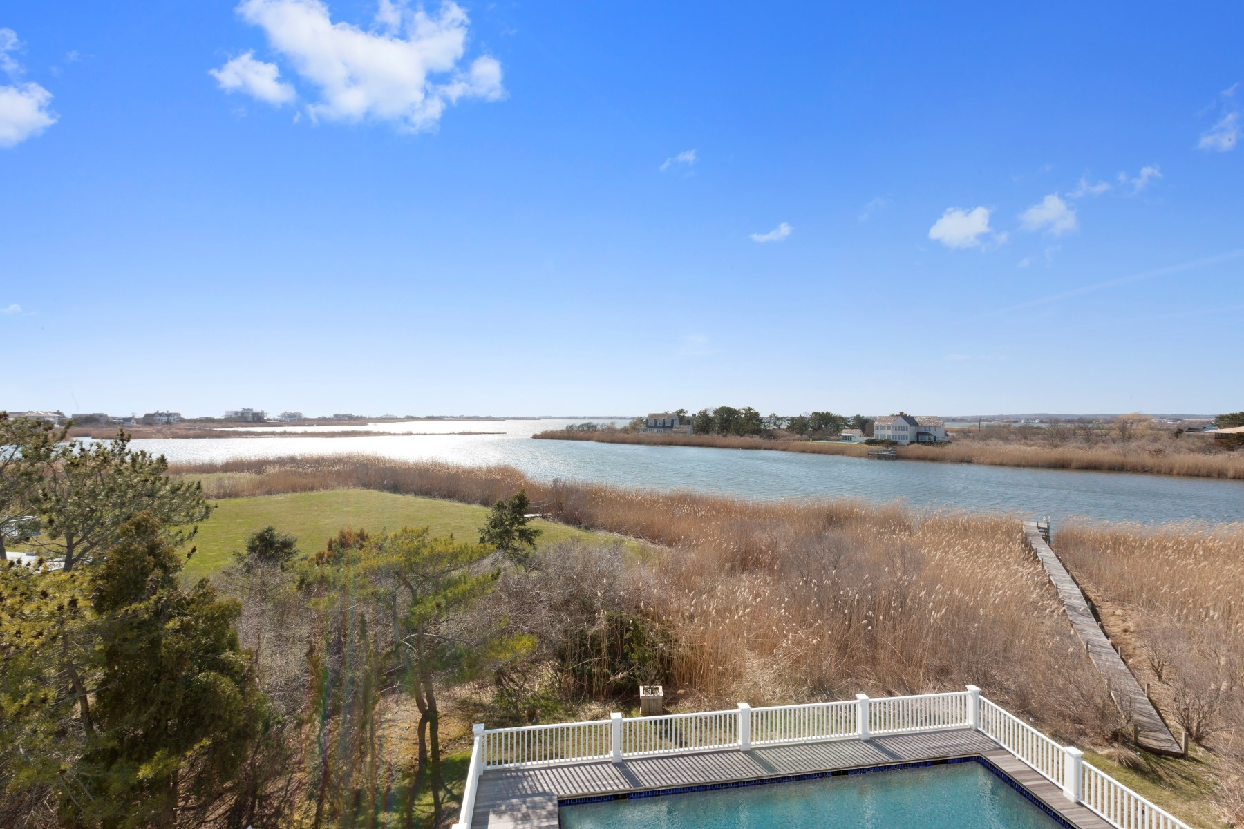 Additional photo for property listing at Summer Oasis on Mecox Bay  Bridgehampton, New York 11932 United States
