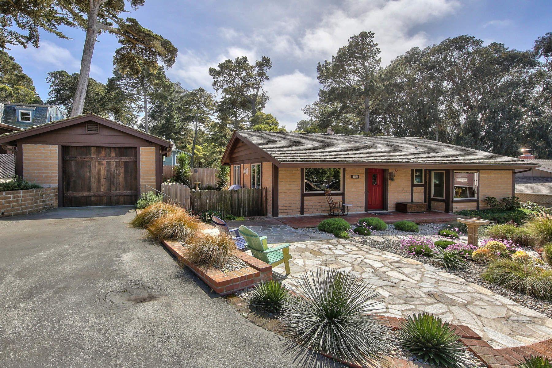 獨棟家庭住宅 為 出售 在 Light Filled Asilomar Post Adobe Home 242 Grove Acre Avenue, Pacific Grove, 加利福尼亞州, 93950 美國