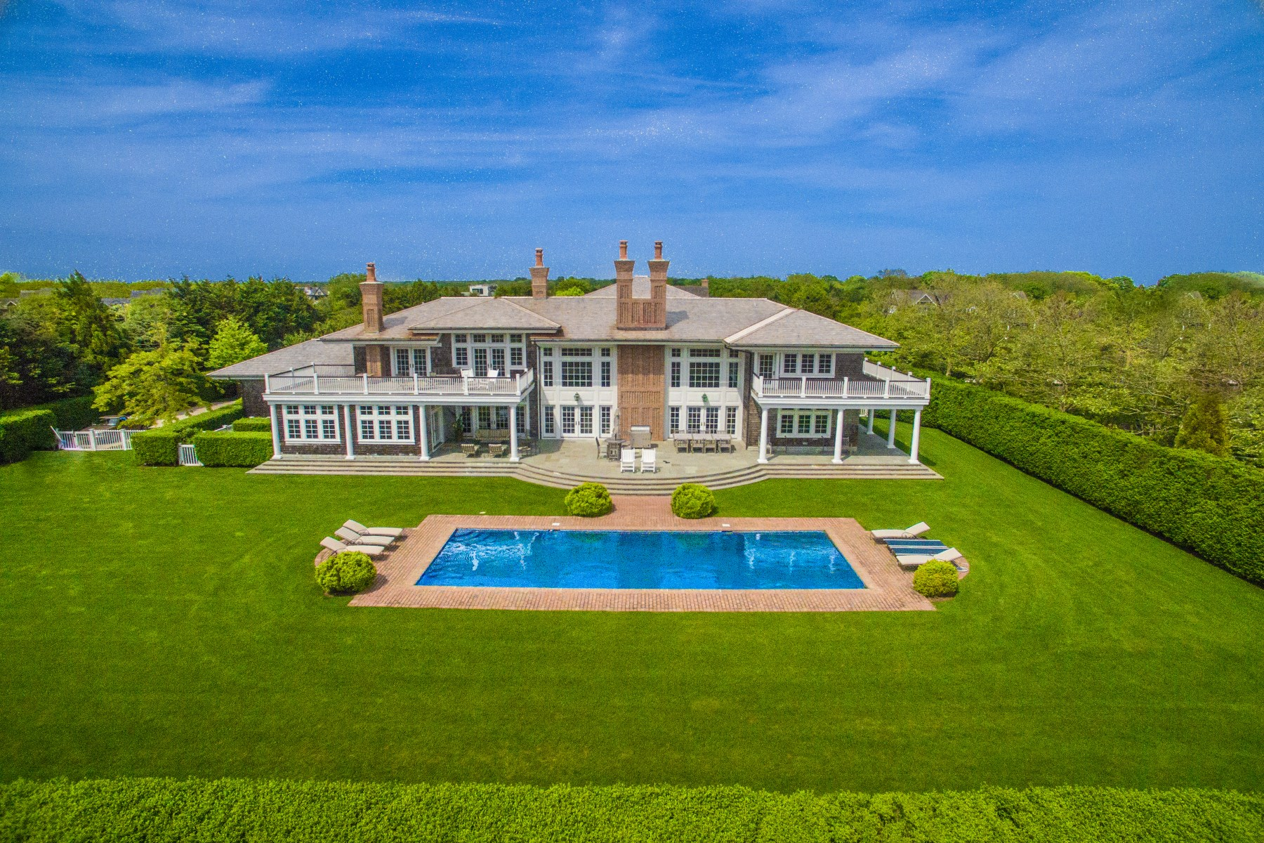 Additional photo for property listing at Sagaponack Ocean Views 19 Sagg Pond Sagaponack, New York 11962 United States