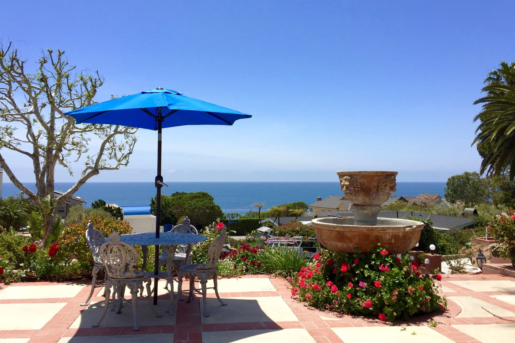 Single Family Home for Sale at Seaside Retreat, Views and Beach Access 4900 Bunnie Lane Malibu, California 90265 United States
