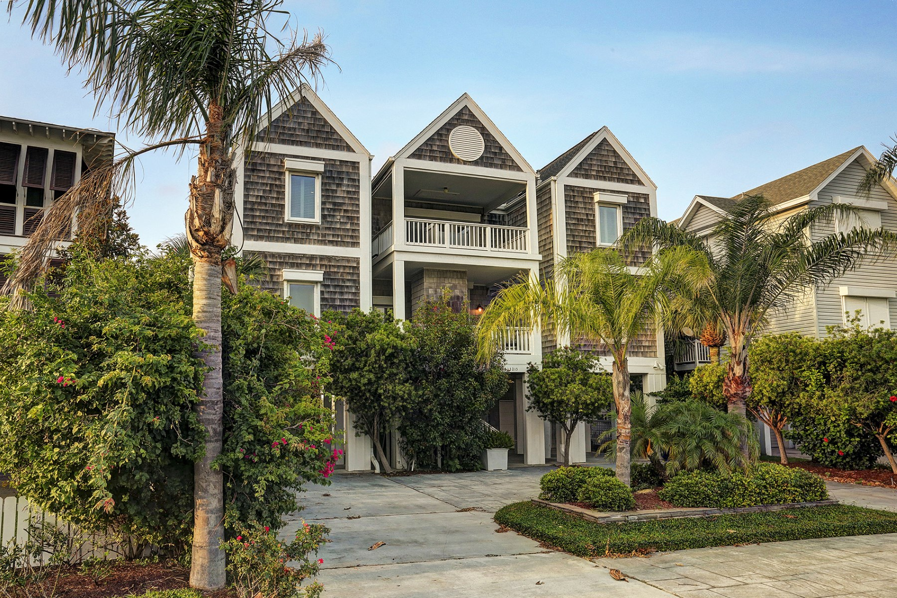 Maison unifamiliale pour l Vente à 13215 Binnacle Way Galveston, Texas, 77554 États-Unis