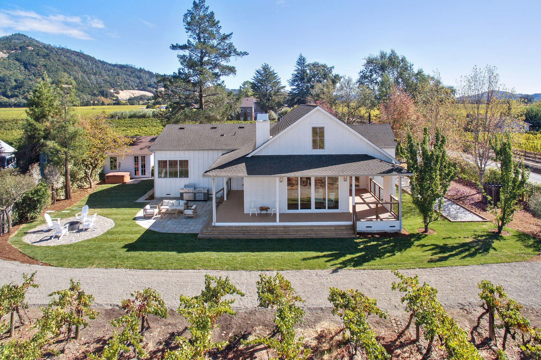 Single Family Home for Sale at 6476 Red Winery Road 6476 Red Winery Rd Geyserville, California 95441 United States