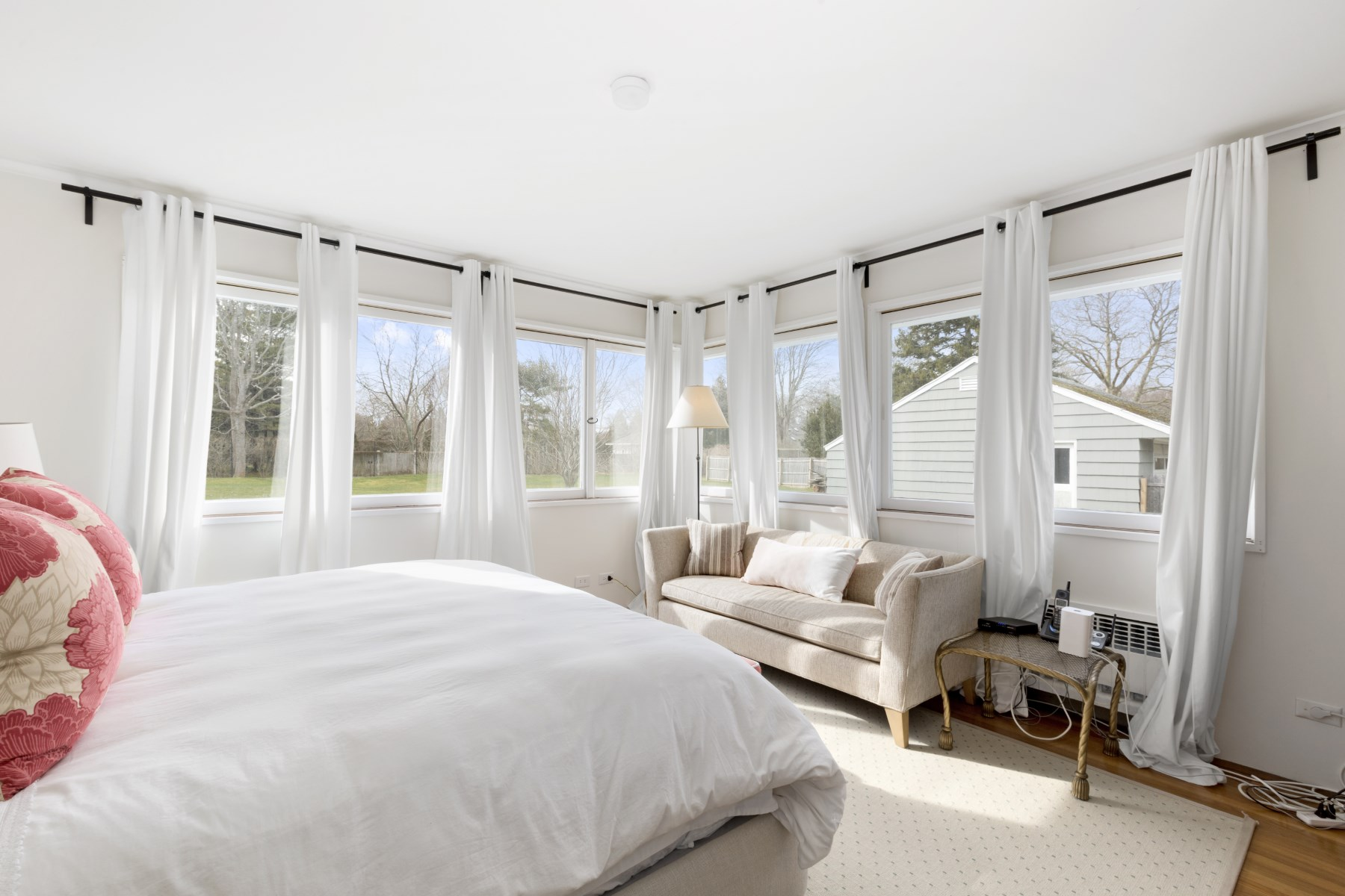 Additional photo for property listing at South of the Highway Lane 31 Davis Lane East Hampton, New York 11937 United States