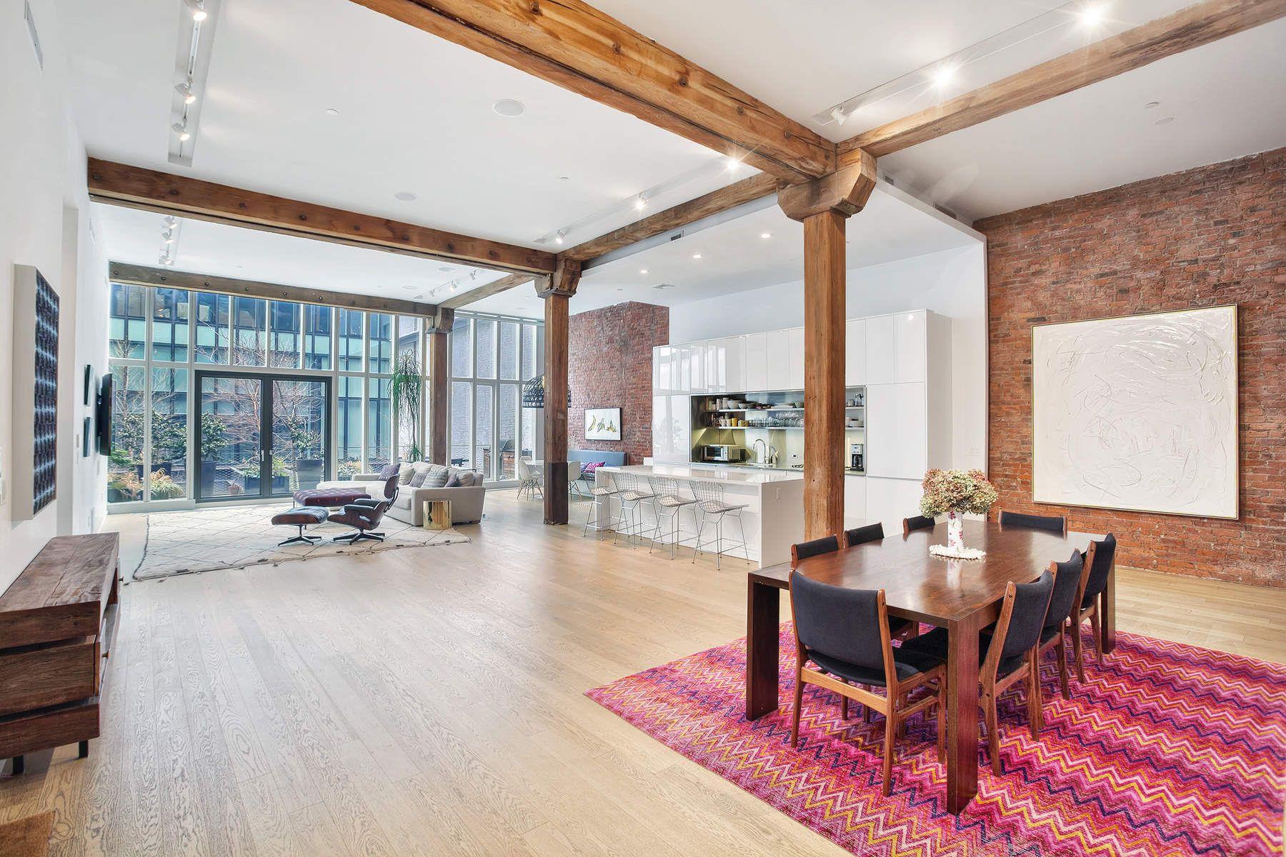 Condominio por un Venta en Loft Lover's Paradise in DUMBO 185 Plymouth Street Apt 2S Brooklyn, Nueva York 11201 Estados Unidos