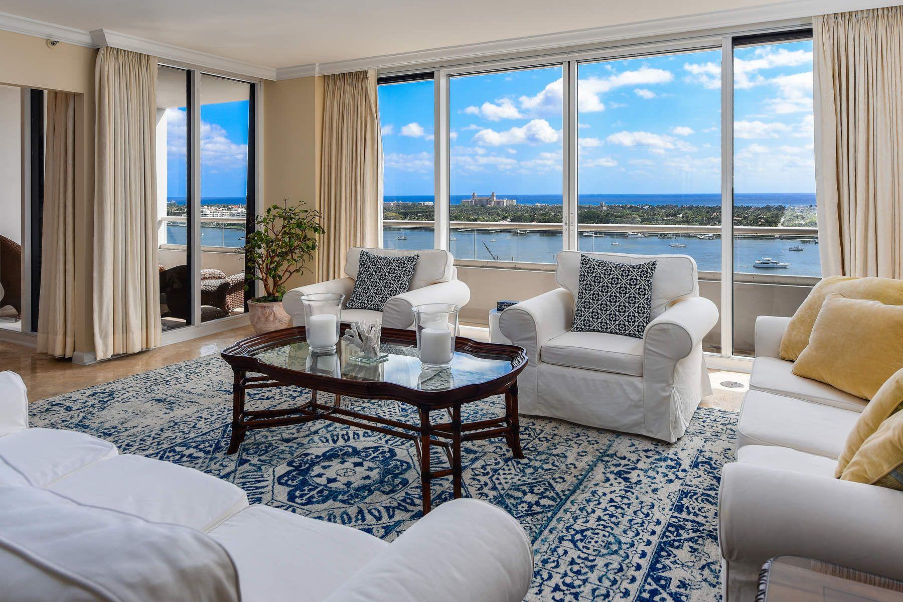 Appartement en copropriété pour l à vendre à Trump Plaza 529 S Flagler Drive 19G, West Palm Beach, Florida, 33401 États-Unis