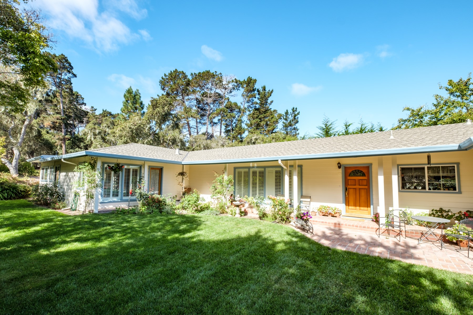 Single Family Home for Sale at Monterey Charmer 1420 Manor Place, Monterey, California, 93940 United States